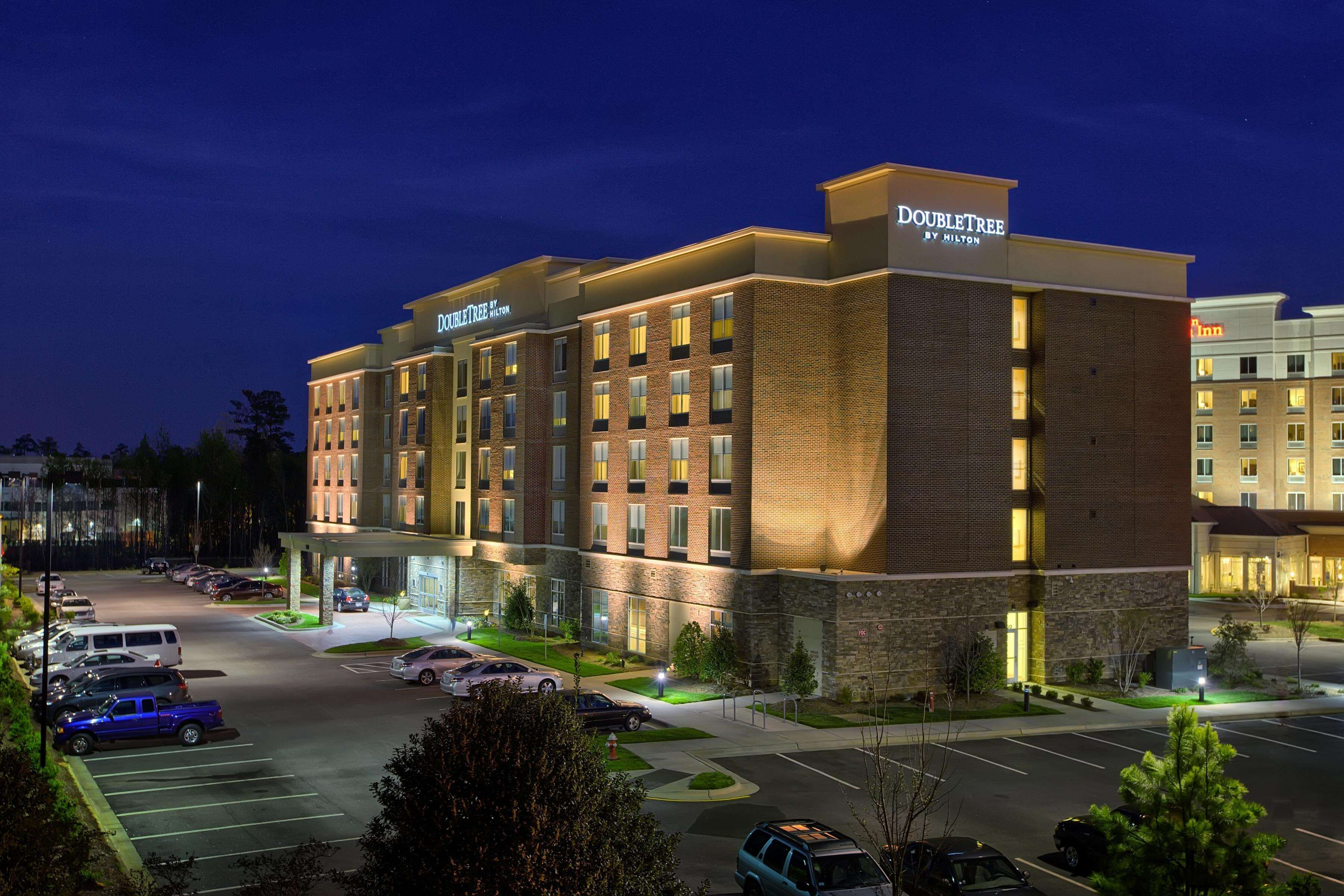 DoubleTree by Hilton Hotel Raleigh - Cary image 1