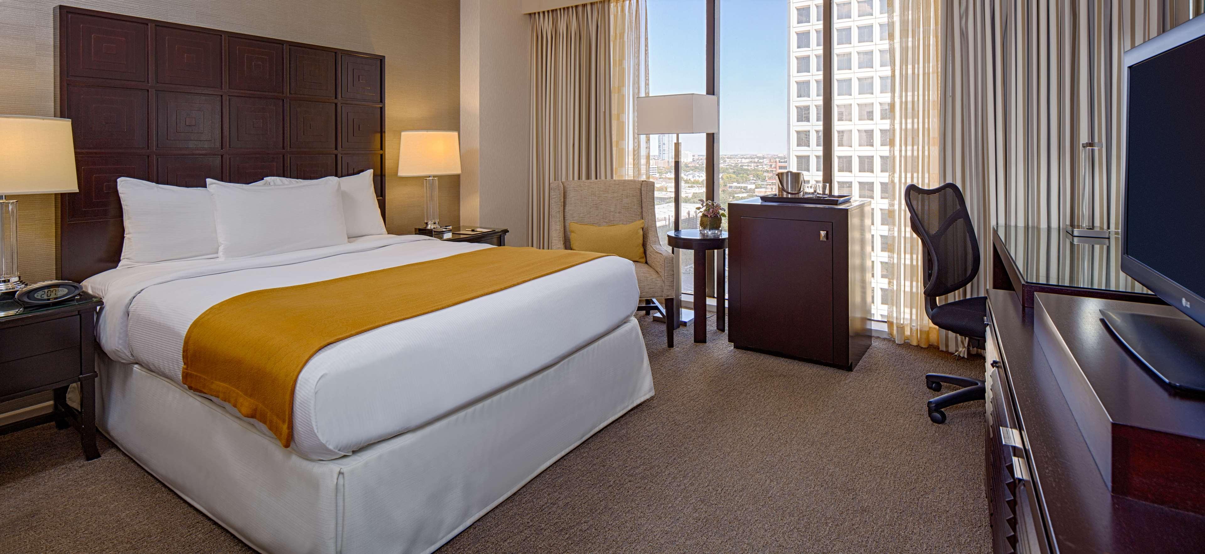 DoubleTree by Hilton Hotel Houston - Greenway Plaza image 22