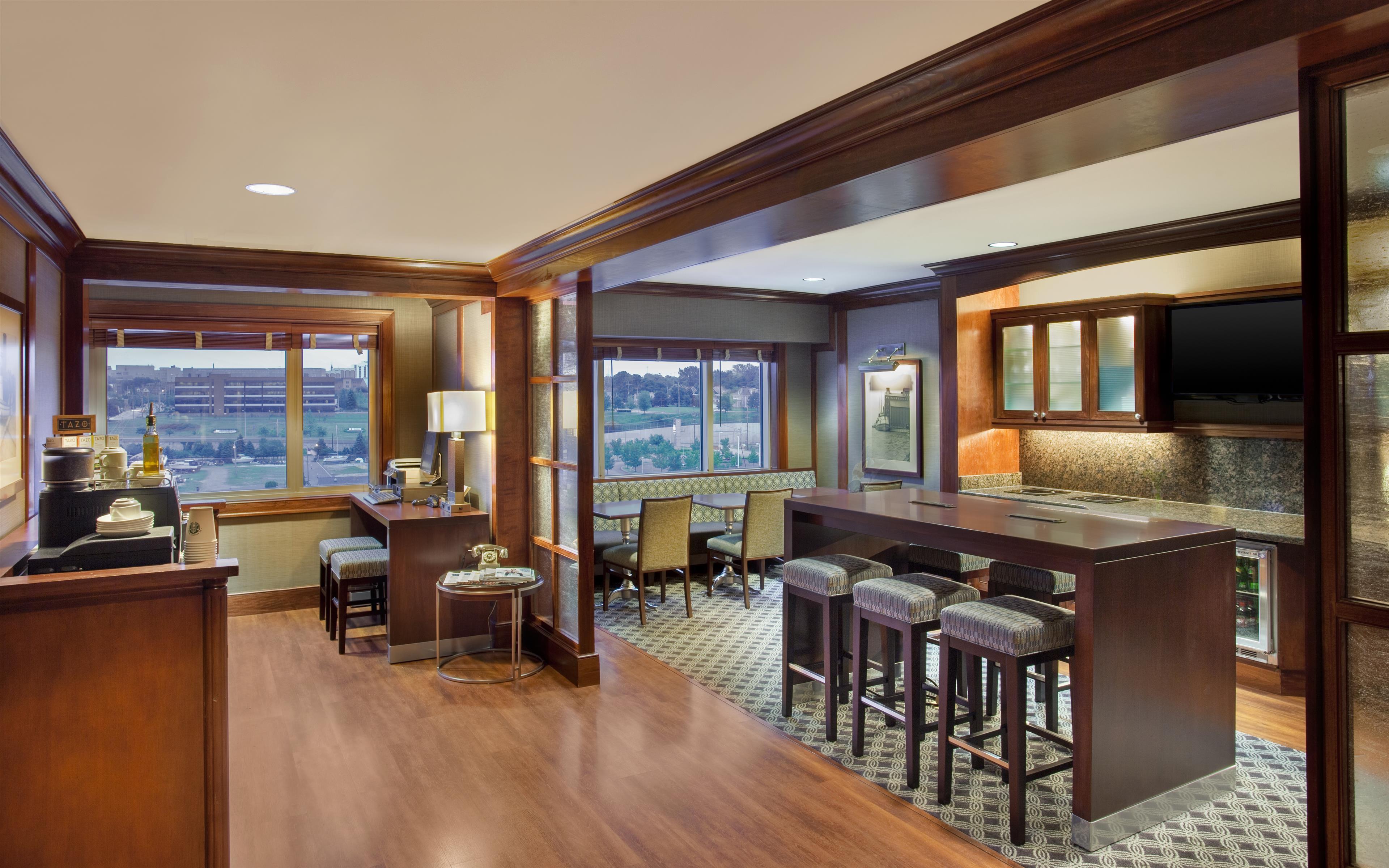 Sheraton Erie Bayfront Hotel image 13