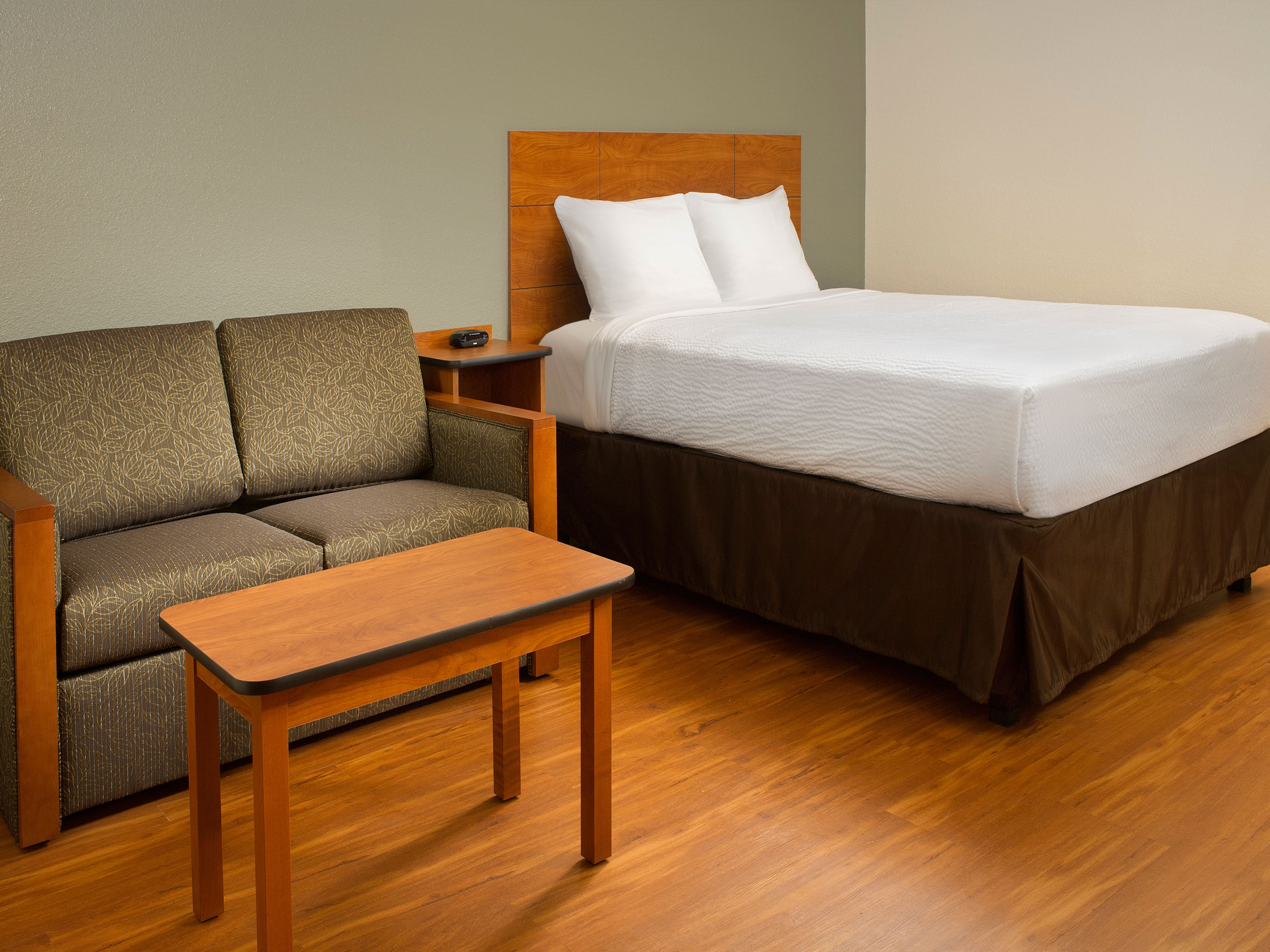 WoodSpring Suites Texas City image 16
