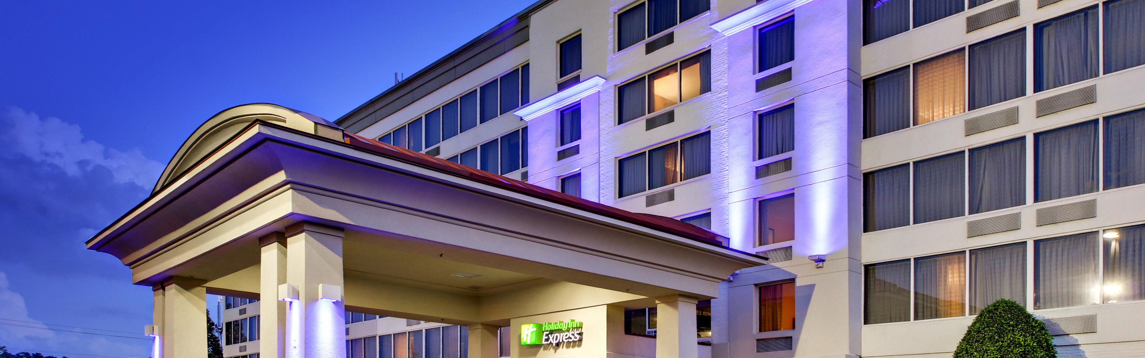 Holiday Inn Express Atlanta-Kennesaw image 0