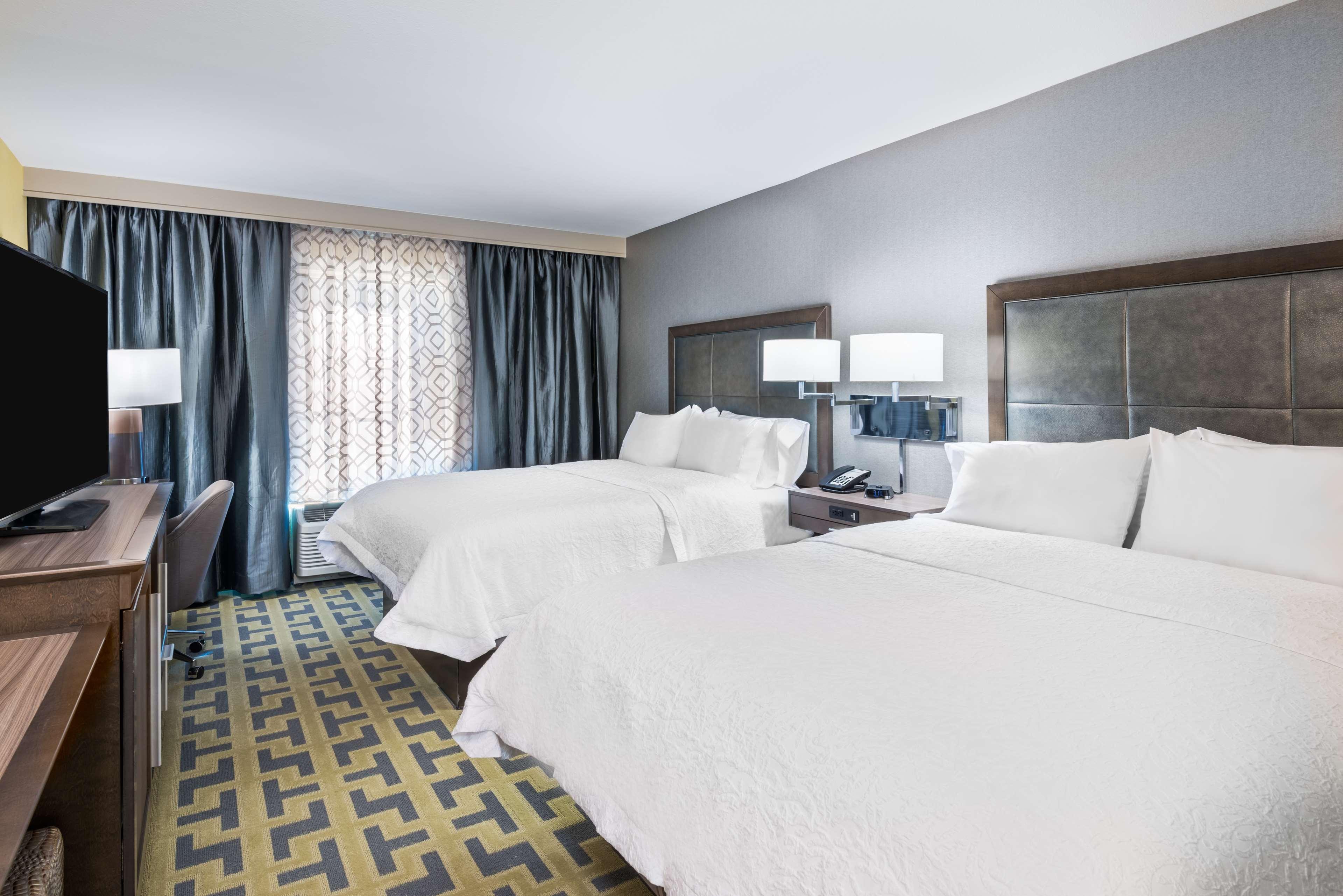 Hampton Inn & Suites Tampa Airport Avion Park Westshore image 17