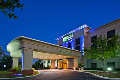 Holiday Inn Express & Suites Tampa-Anderson Rd/Veterans Exp image 0