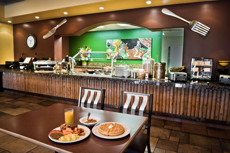 Best Western Plus Arroyo Roble Hotel & Creekside Villas image 4