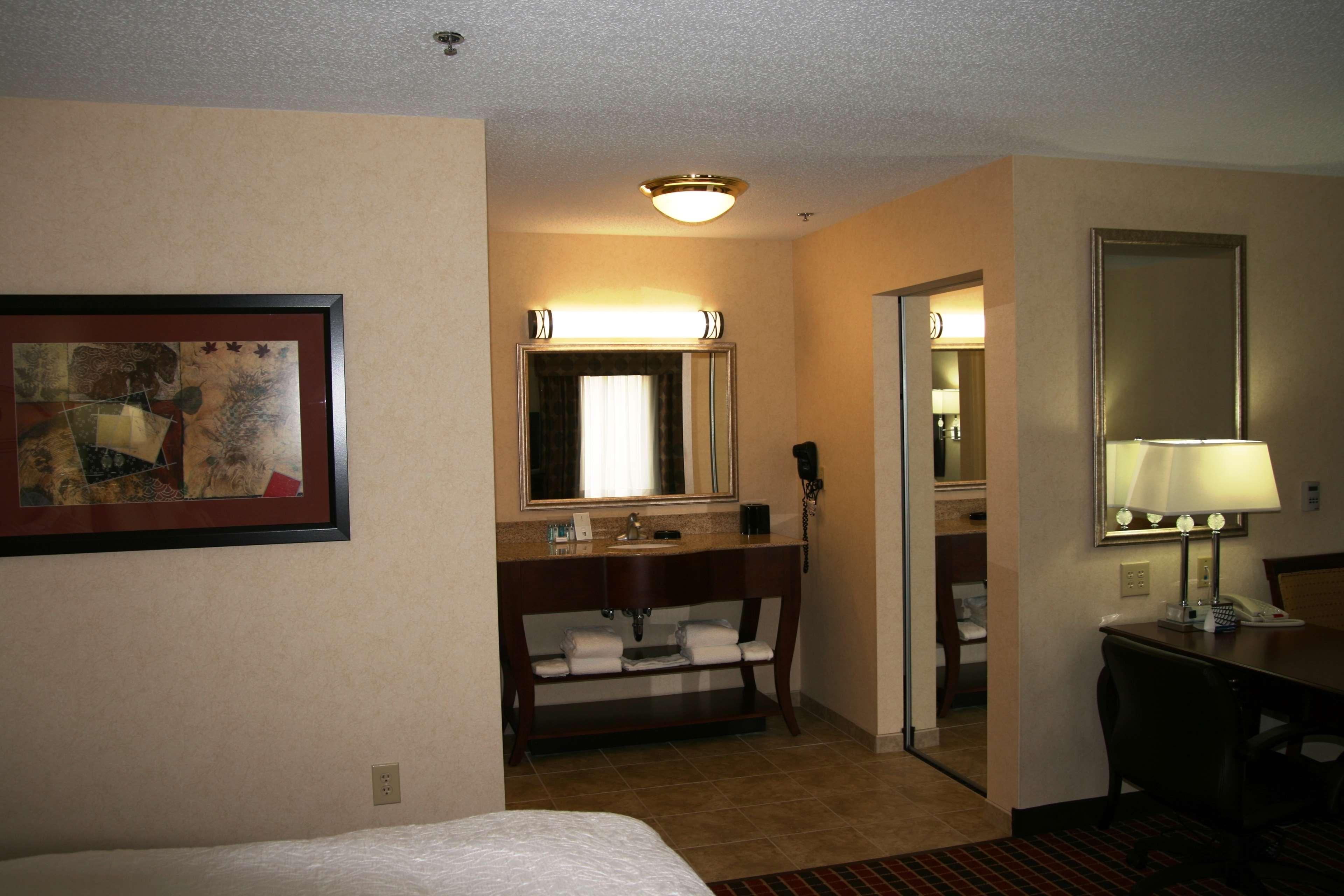 Hampton Inn & Suites Dayton-Airport image 31