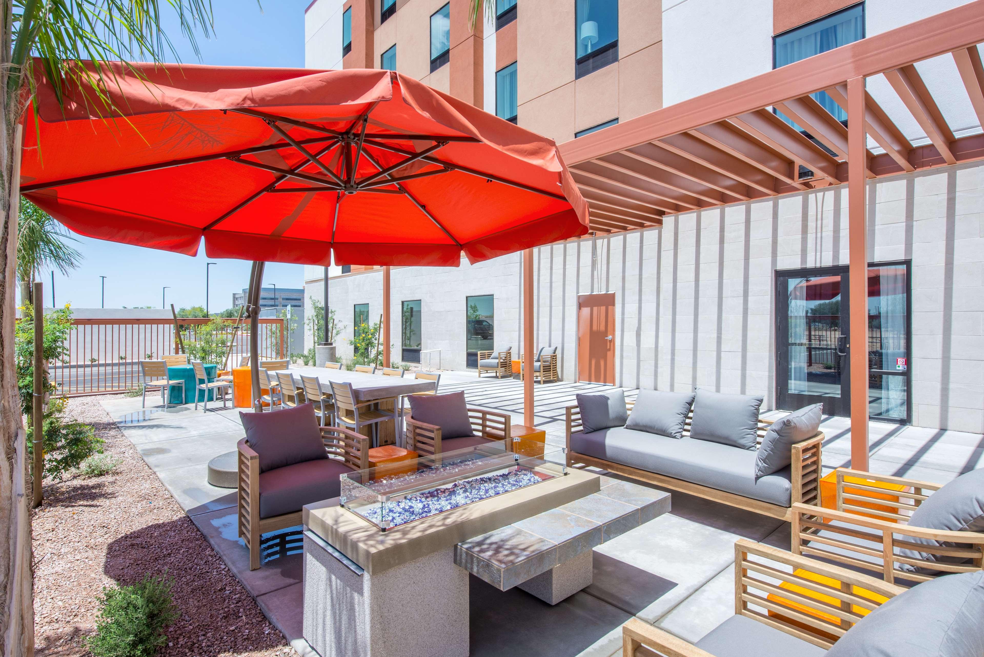 Hampton Inn & Suites Phoenix East Mesa image 4