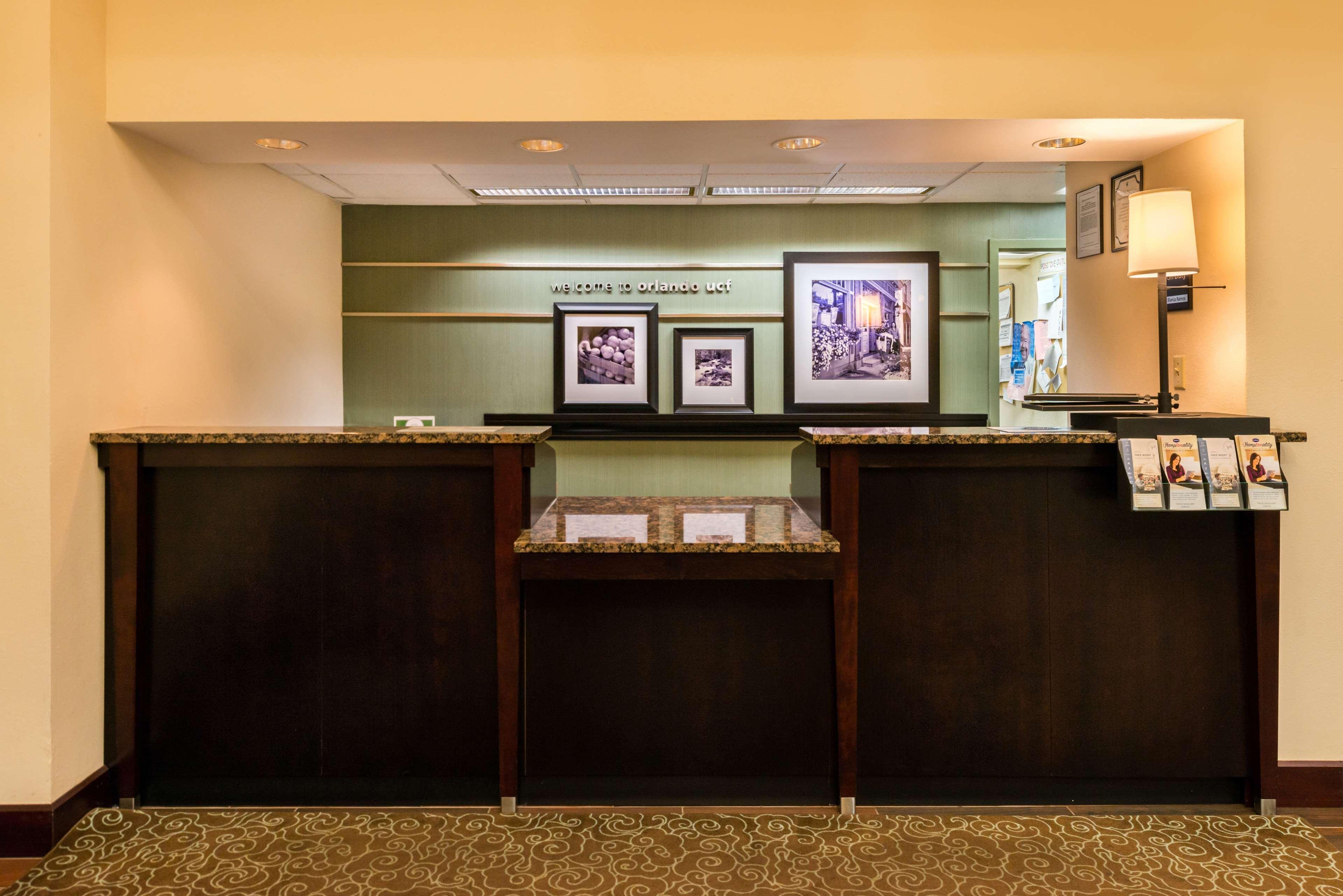 Hampton Inn & Suites Orlando/East UCF Area image 4