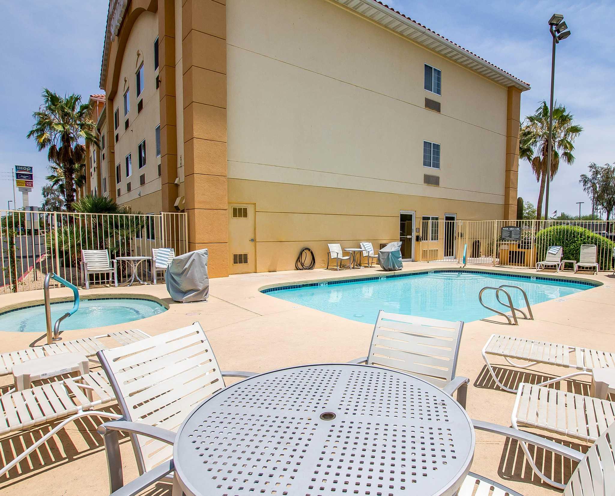 Comfort Suites Peoria Sports Complex image 4