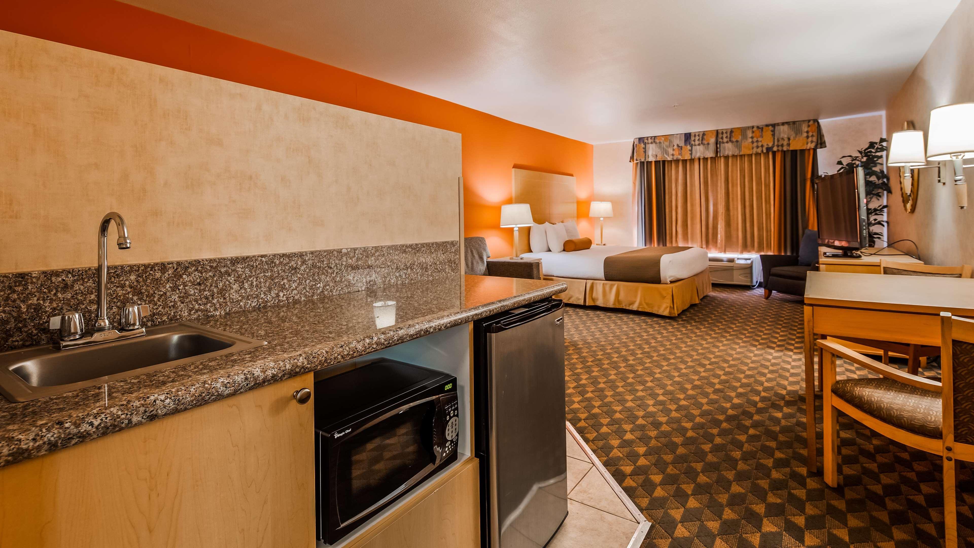 Best Western Plus North Las Vegas Inn & Suites image 11