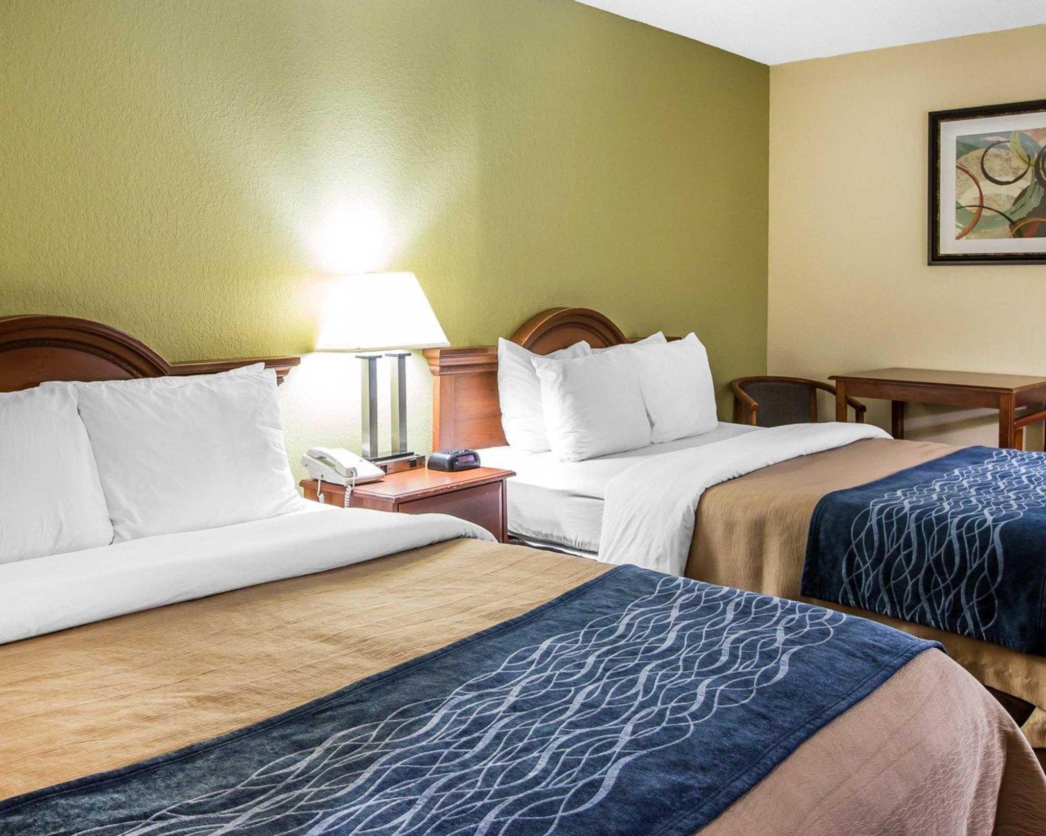 Quality Inn Darien-North Brunswick image 11