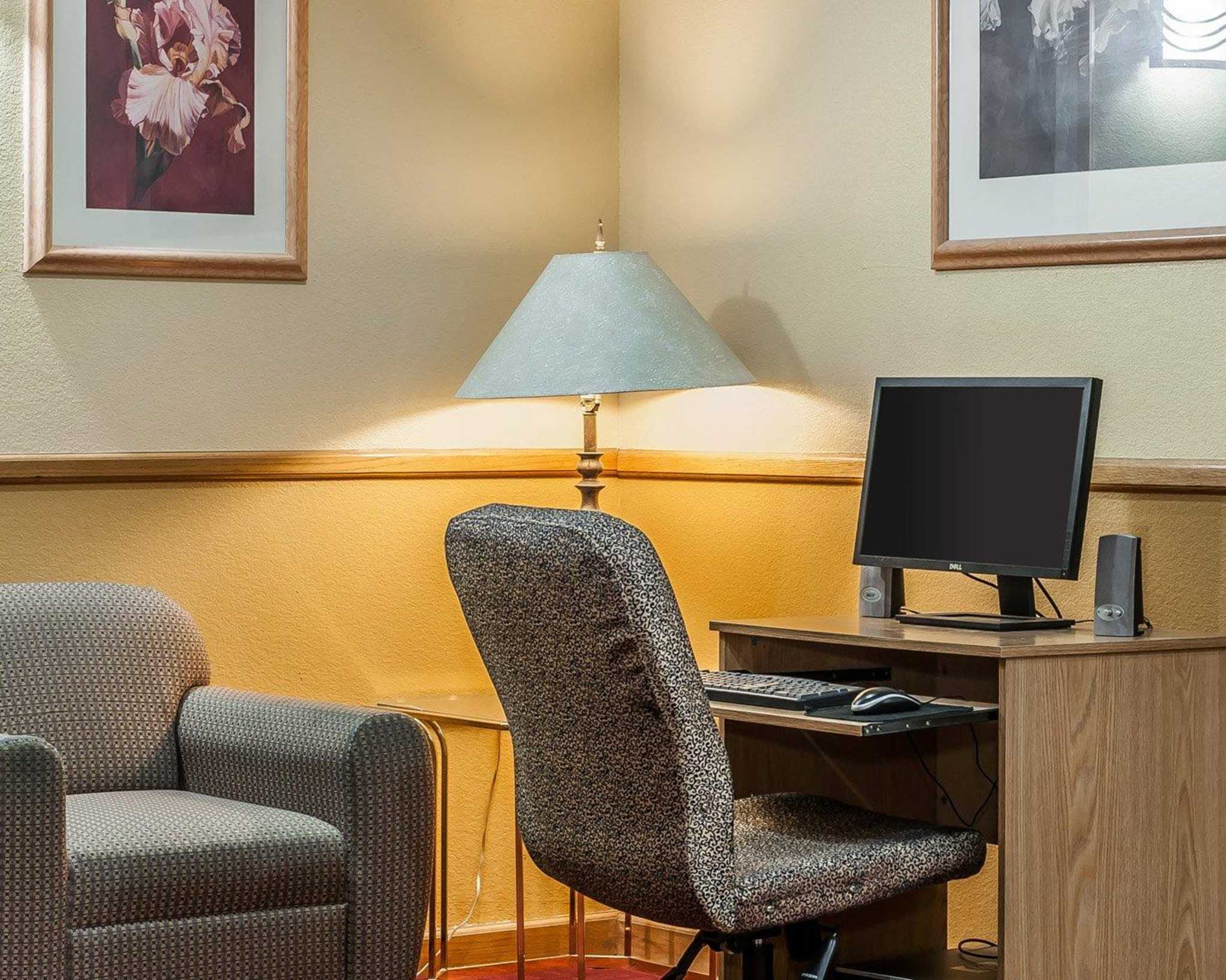 Quality Inn & Suites Shelbyville I-74 image 26