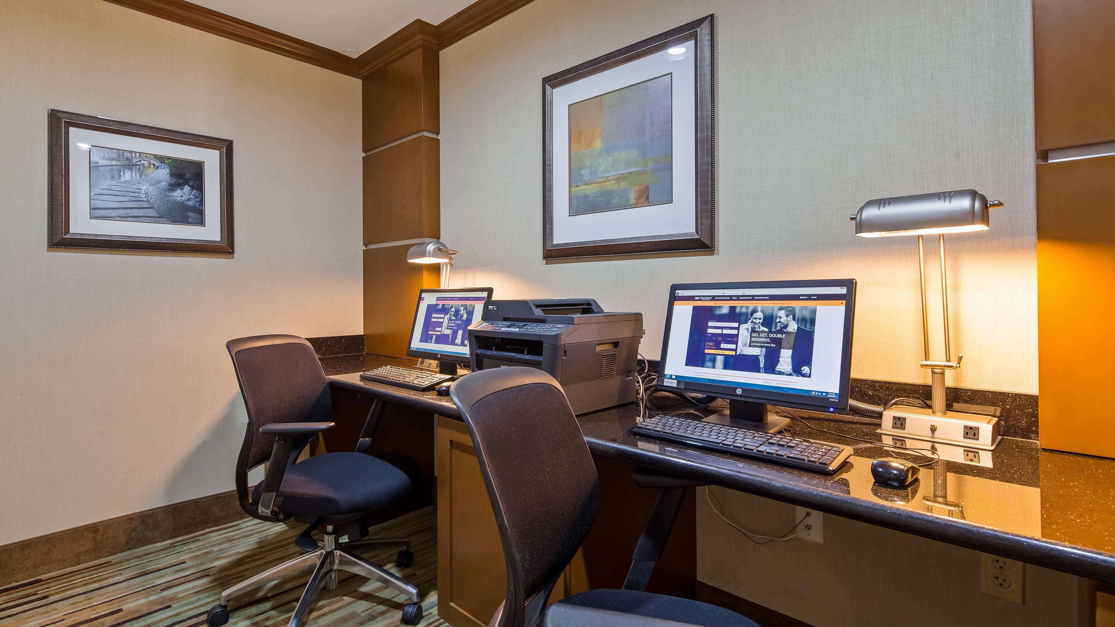 Best Western Plus Atrium Inn image 6
