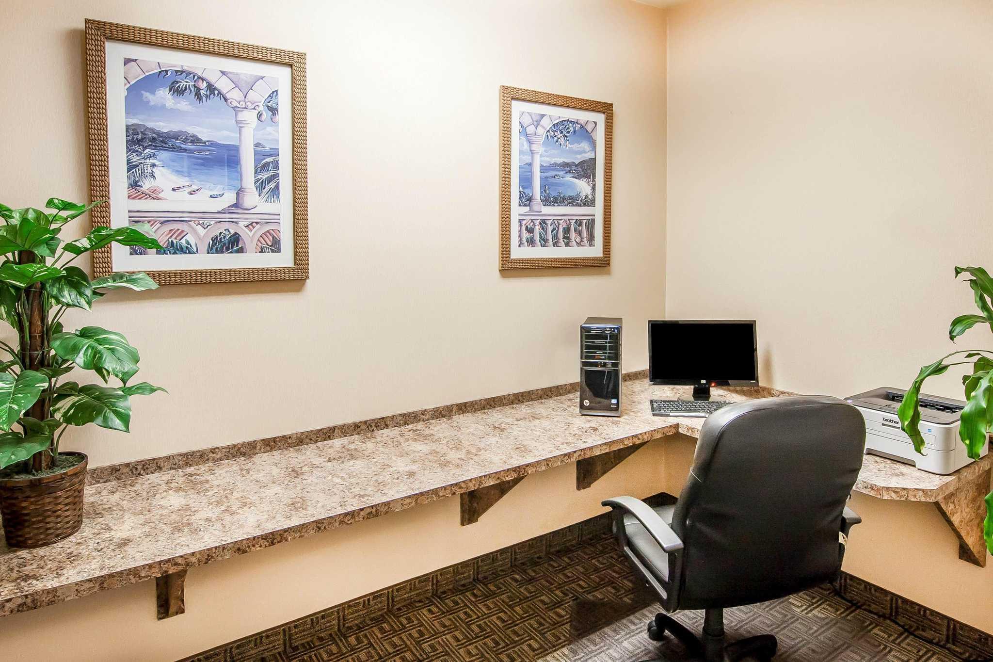 Comfort Inn & Suites image 55