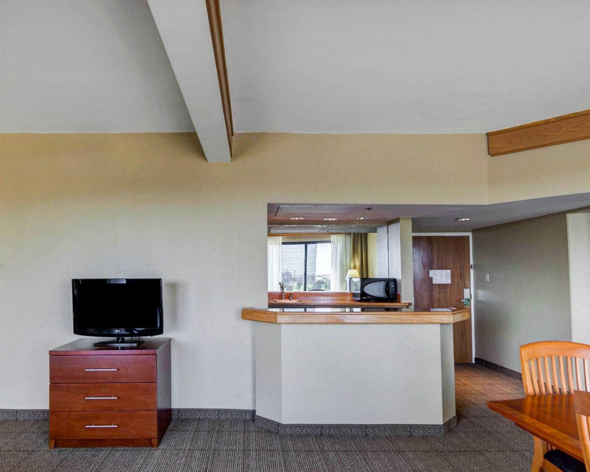 Comfort Inn & Suites Plano East image 51