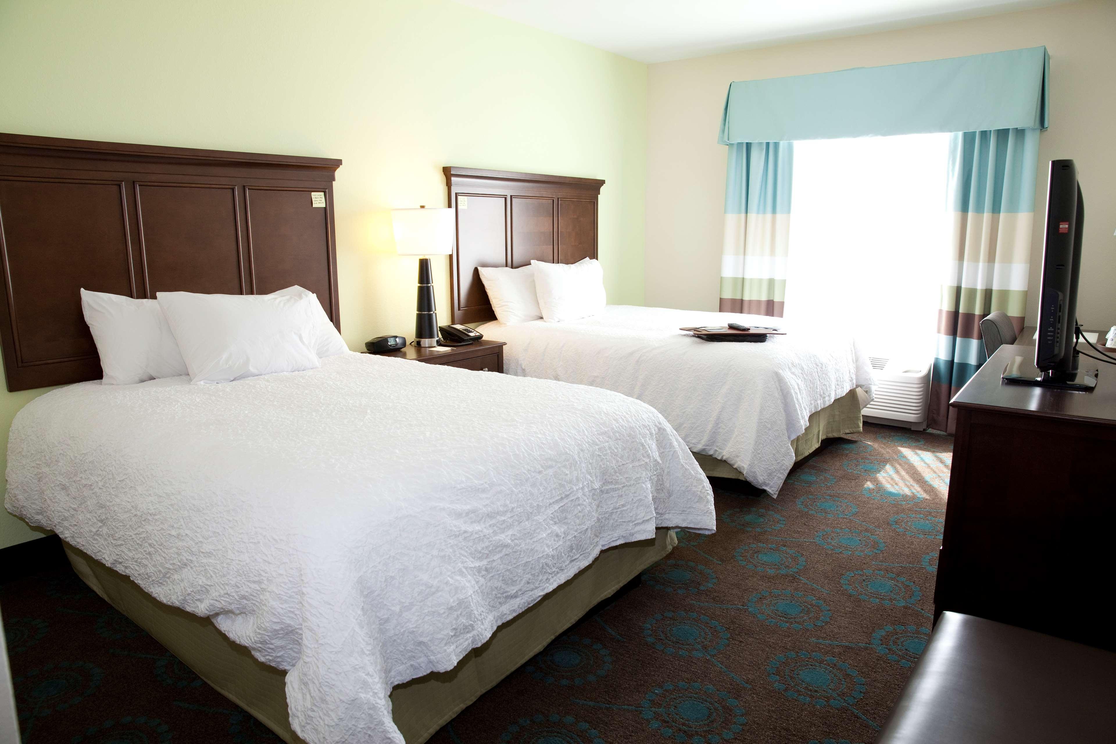 Hampton Inn & Suites Wheeling-The Highlands image 12