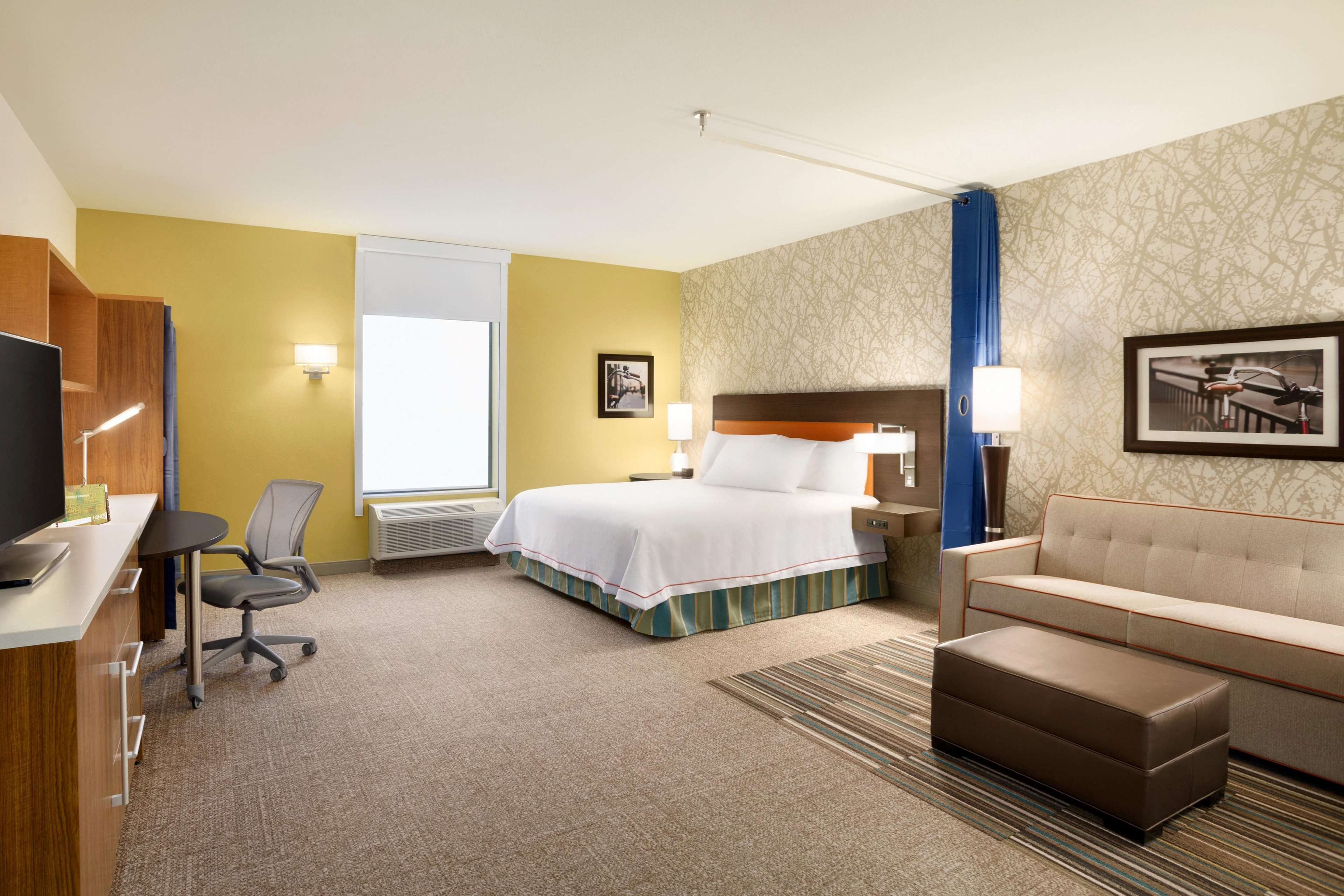 Home2 Suites by Hilton Birmingham Downtown image 0