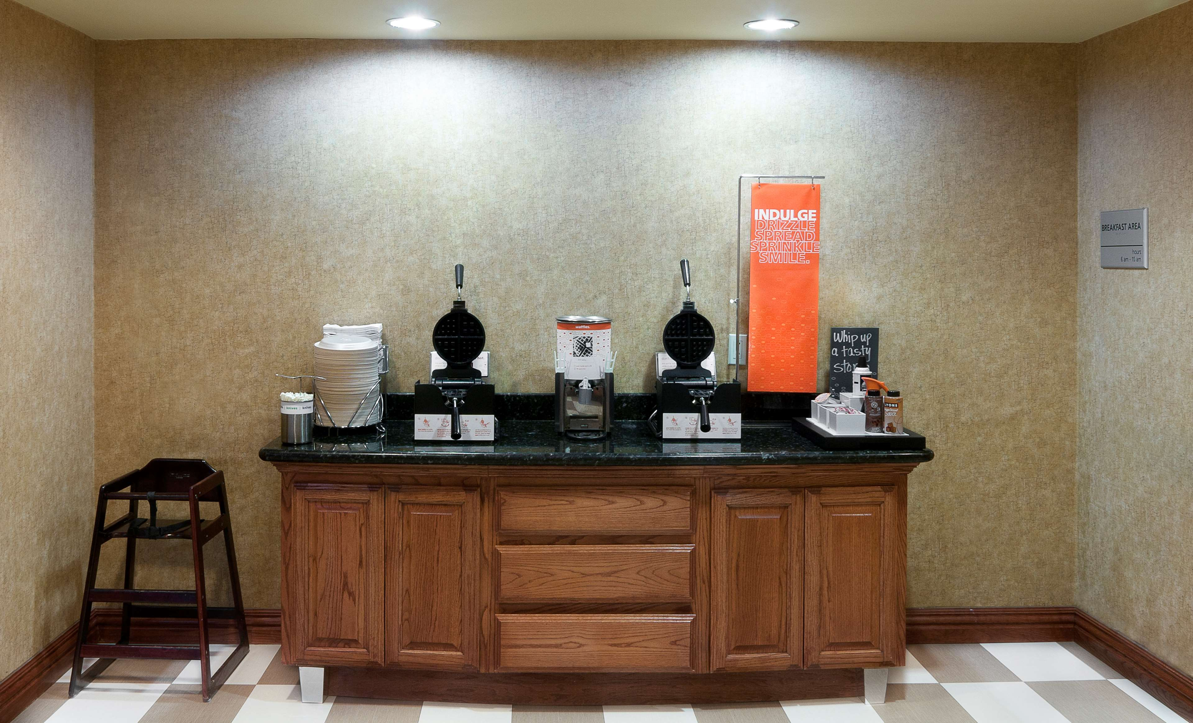 Hampton Inn and Suites Brownsville image 6