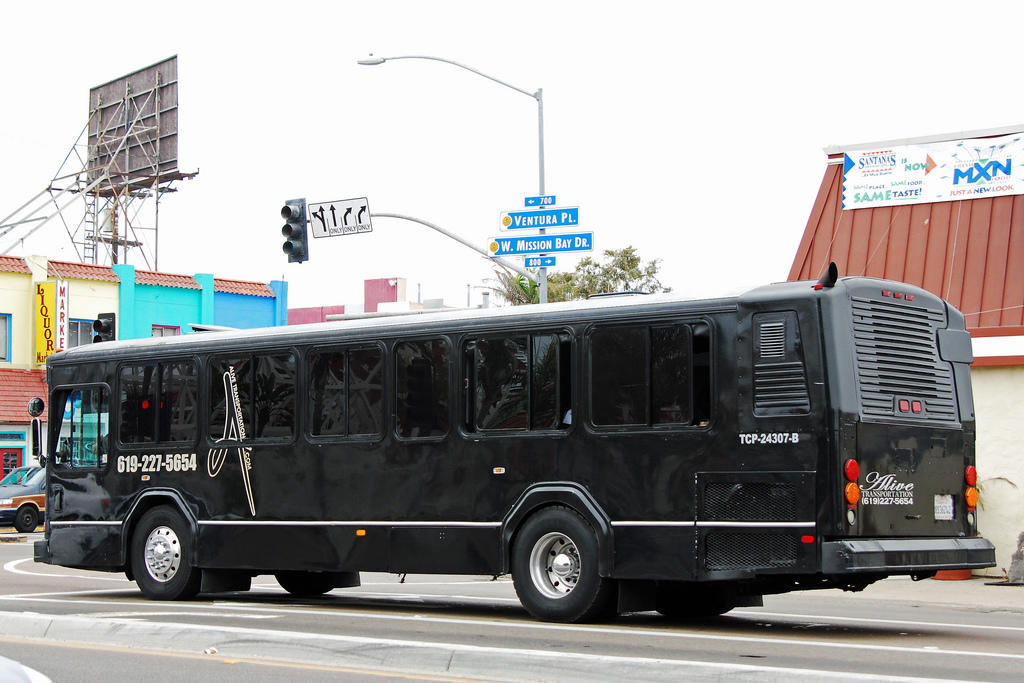 Alive Limo and Party Bus - San Diego, CA