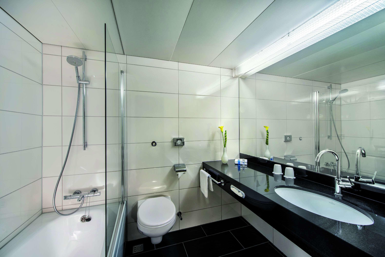Maritim hotel bellevue kiel kiel 24105 yellowmap - Badezimmer franzosisch ...