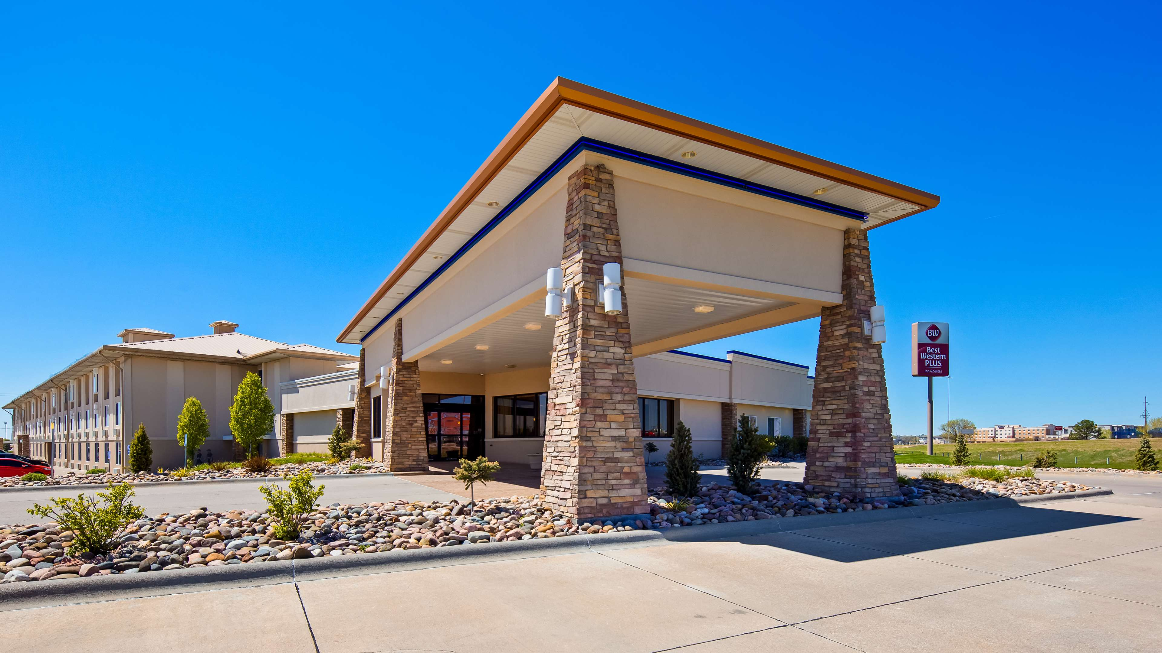 Best Western Plus Mid Nebraska Inn & Suites image 0