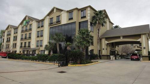 Holiday Inn Express & Suites Houston North Intercontinental image 1
