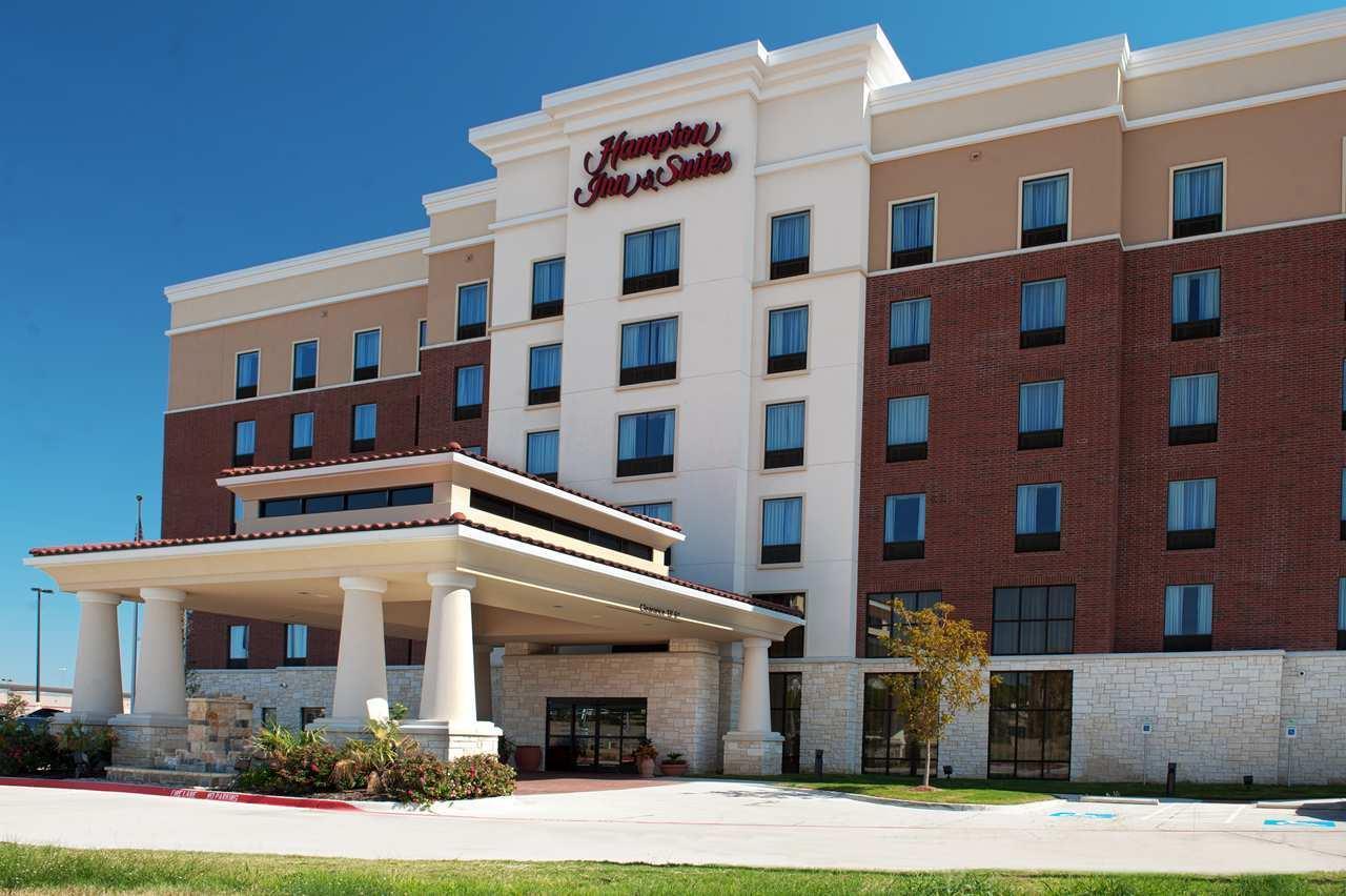 Hampton Inn & Suites Dallas/Lewisville-Vista Ridge Mall, TX image 2