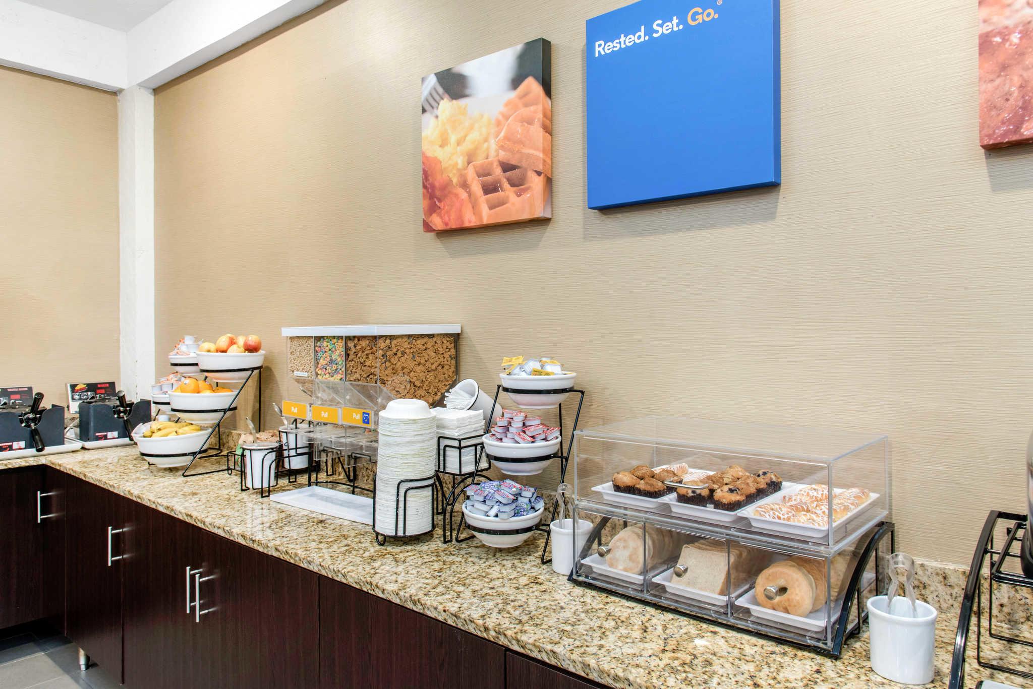 Comfort Inn Airport image 28