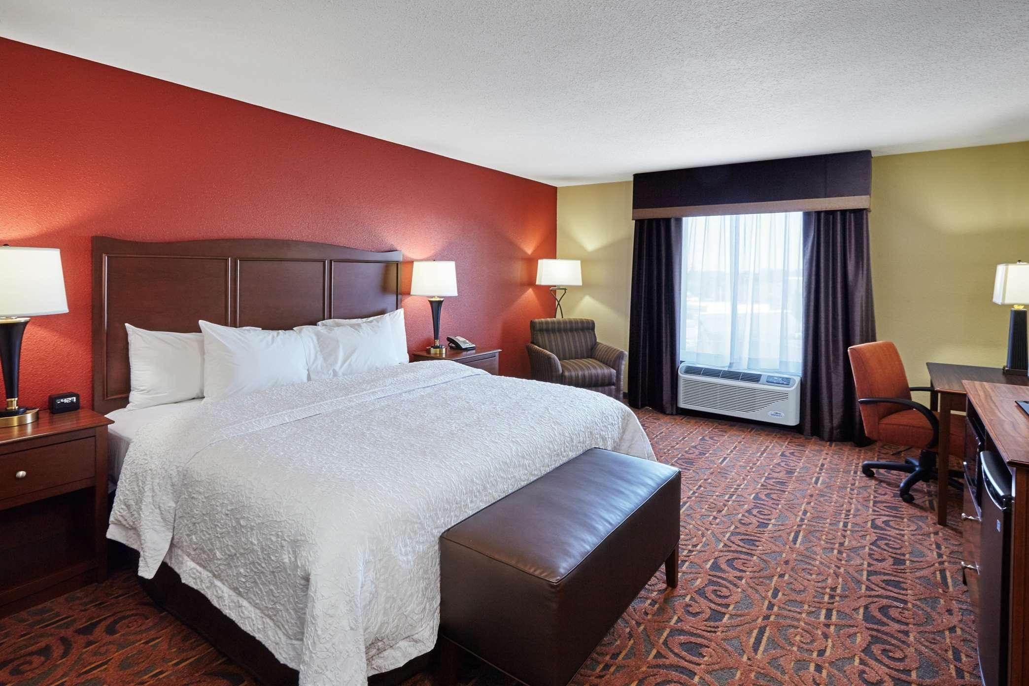 Hampton Inn & Suites Milwaukee/Franklin image 25