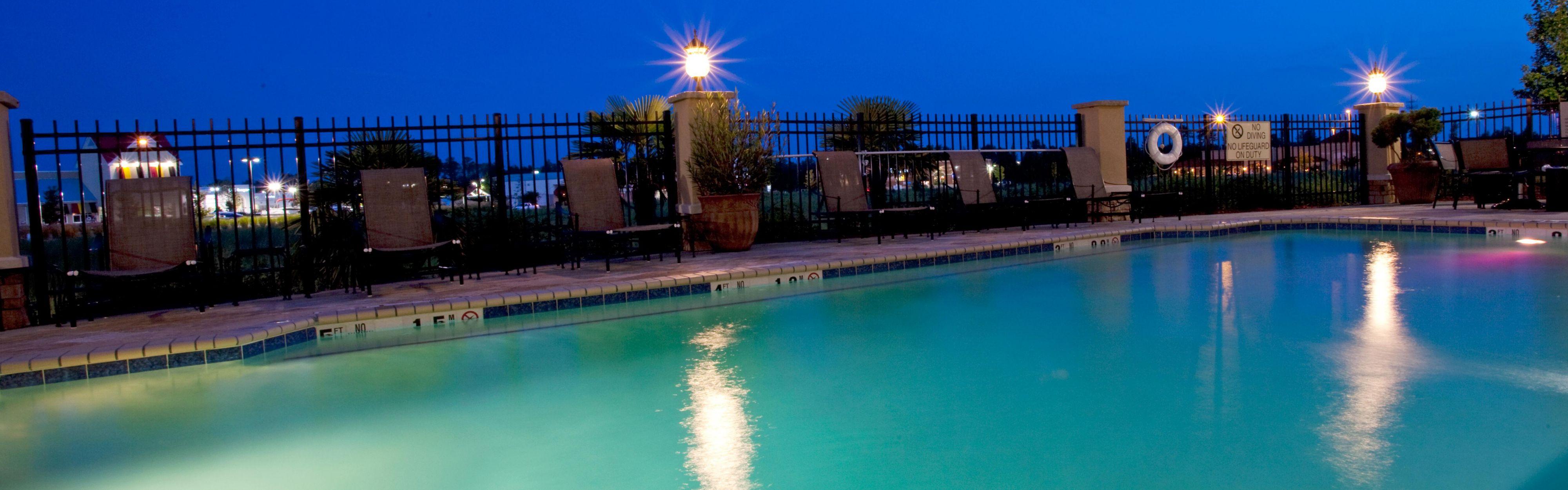 Holiday Inn Express & Suites Columbus At Northlake image 2