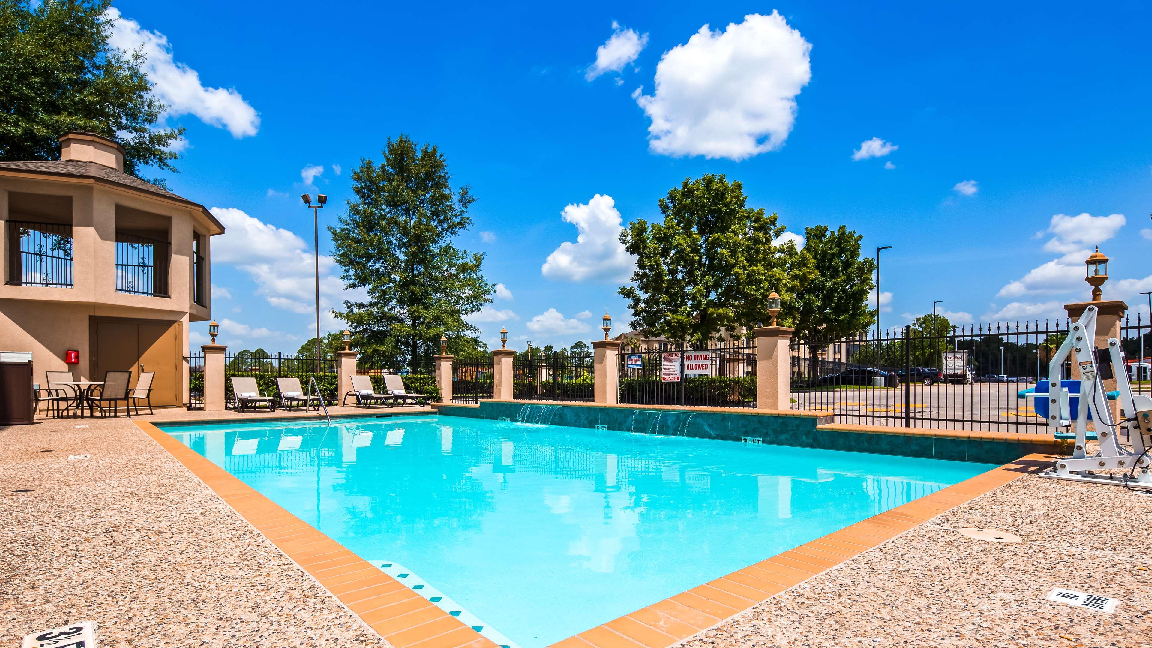 Best Western Plus North Houston Inn & Suites image 36
