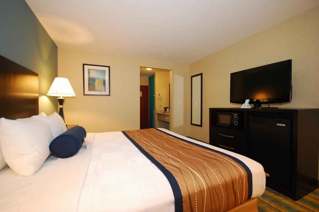 Best Western Plus Berkshire Hills Inn & Suites image 29