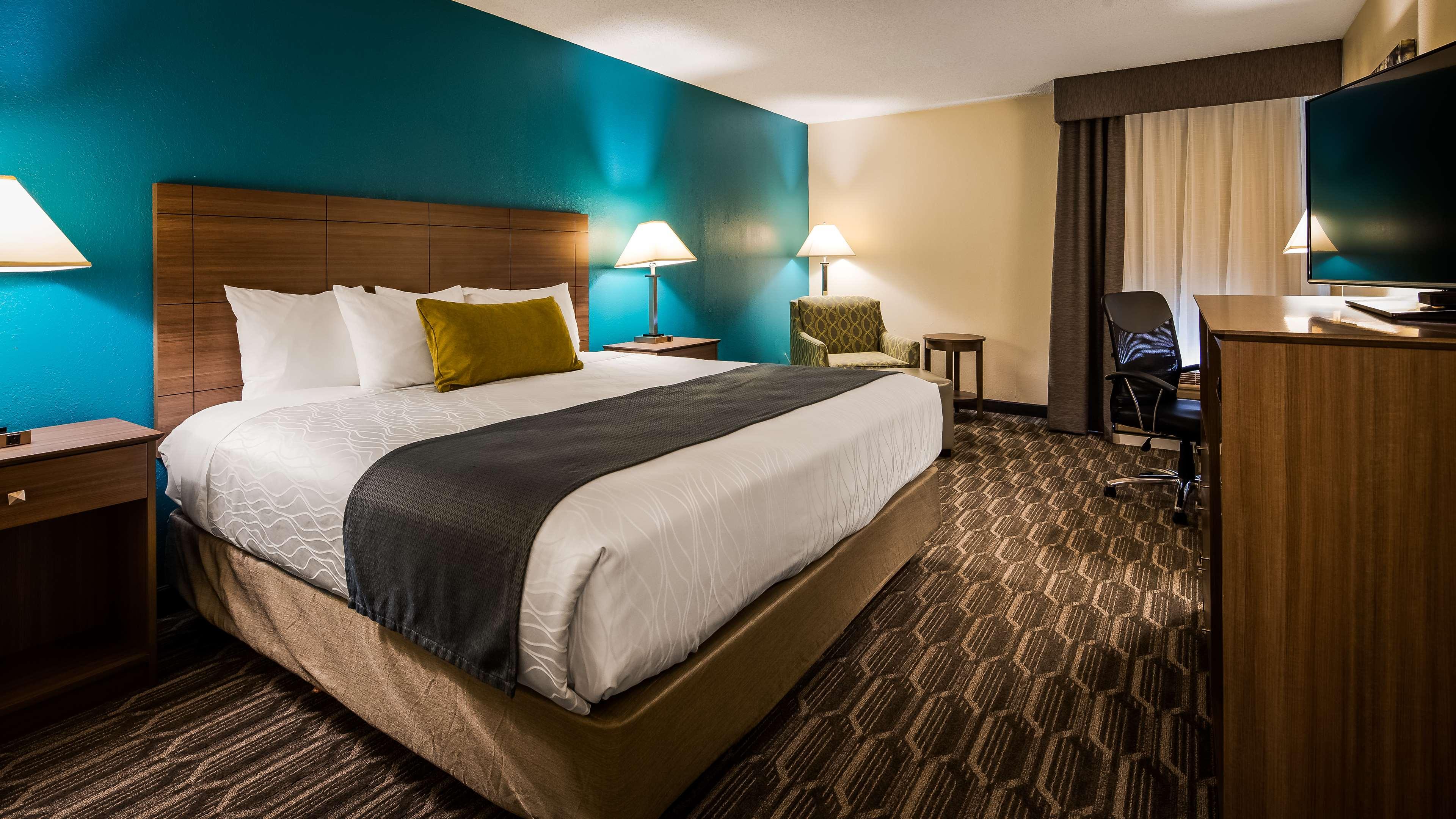 Best Western Plus Yadkin Valley Inn & Suites image 13