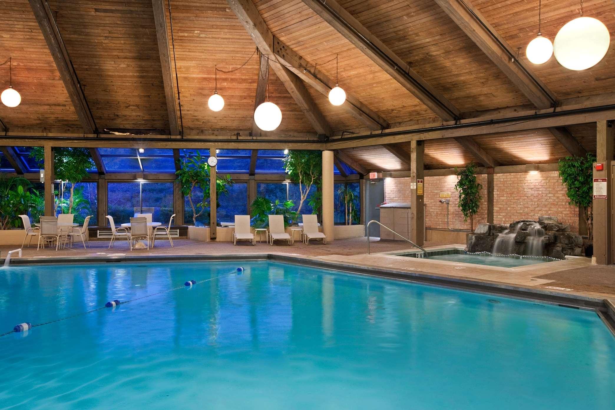 Hilton Chicago Indian Lakes image 10
