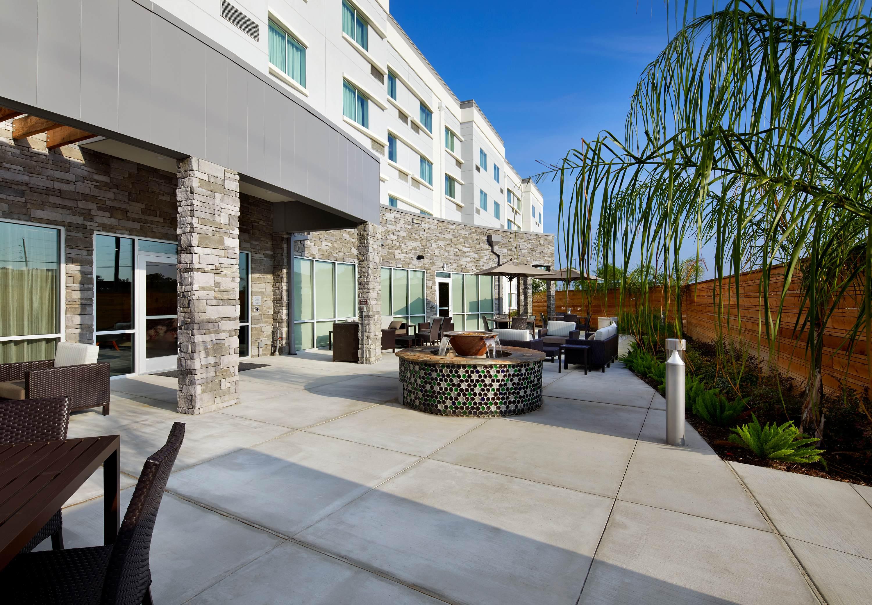 marriott courtyard houston airport hotel