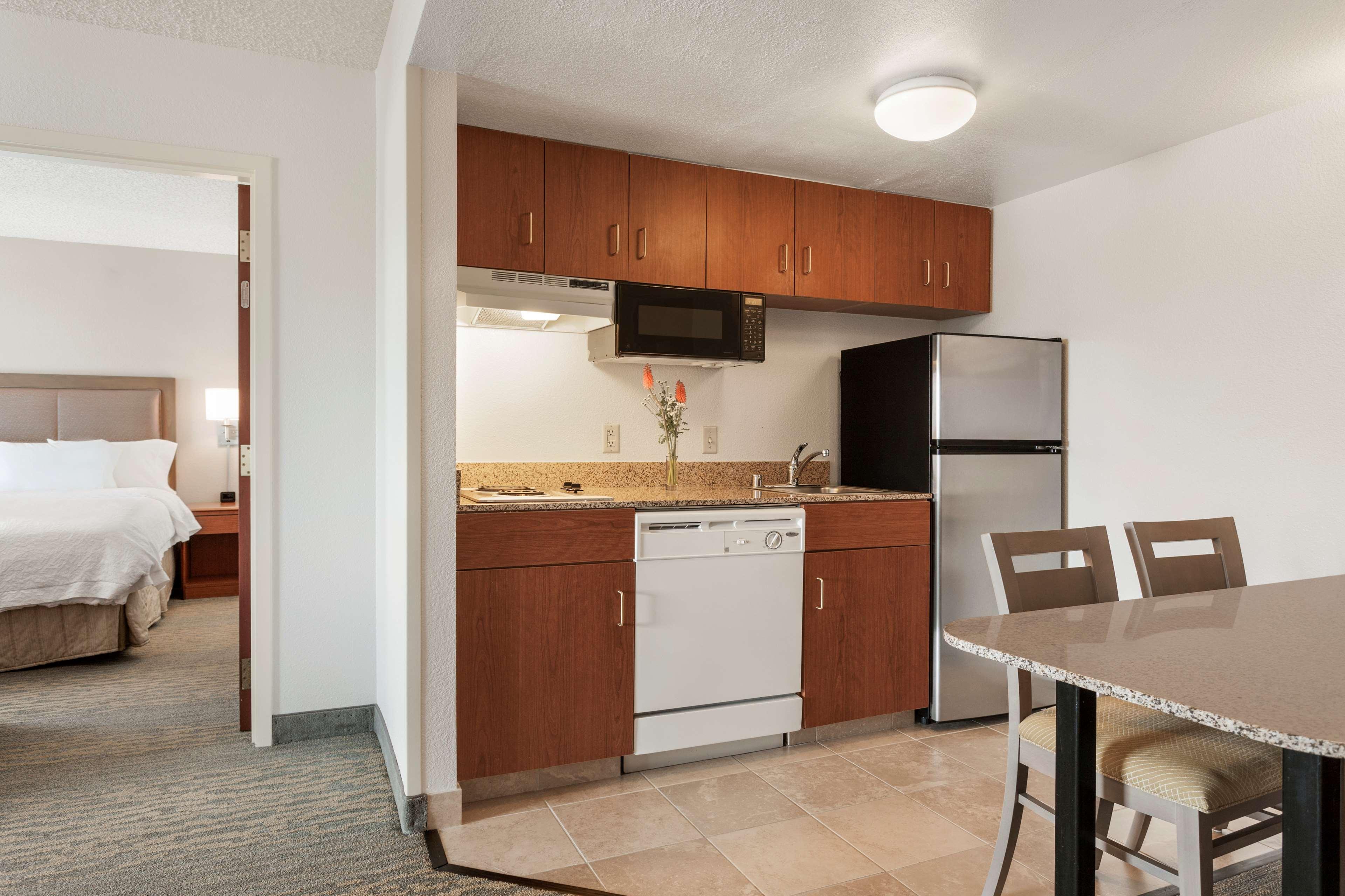 Hampton Inn & Suites Denver-Cherry Creek image 22
