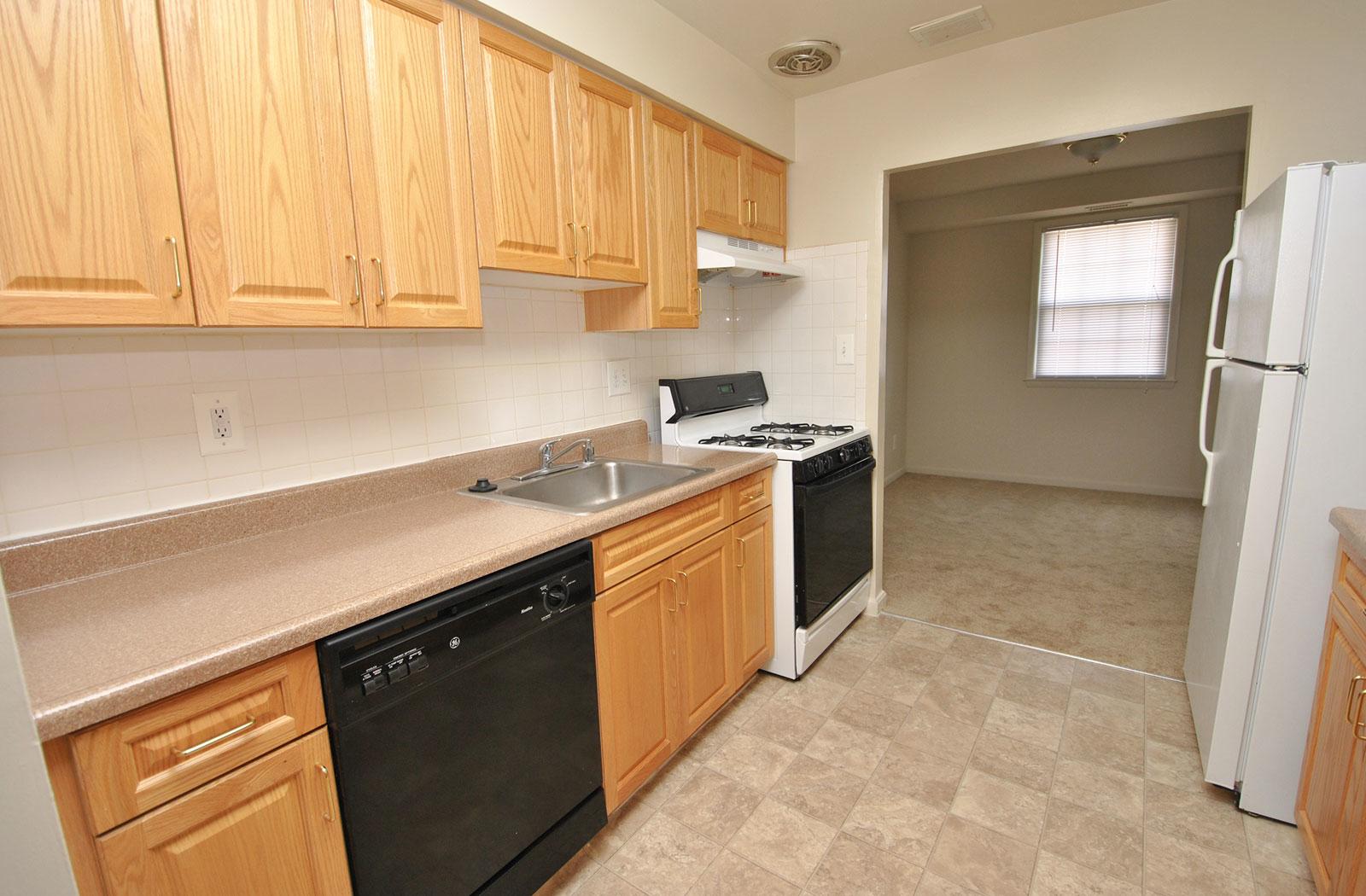 Kenilworth at Hazelwood Apartments image 2