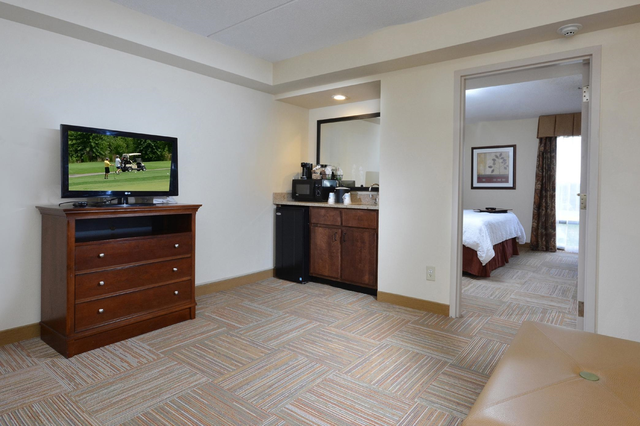 King 1 Bedroom Suite w Shower Only