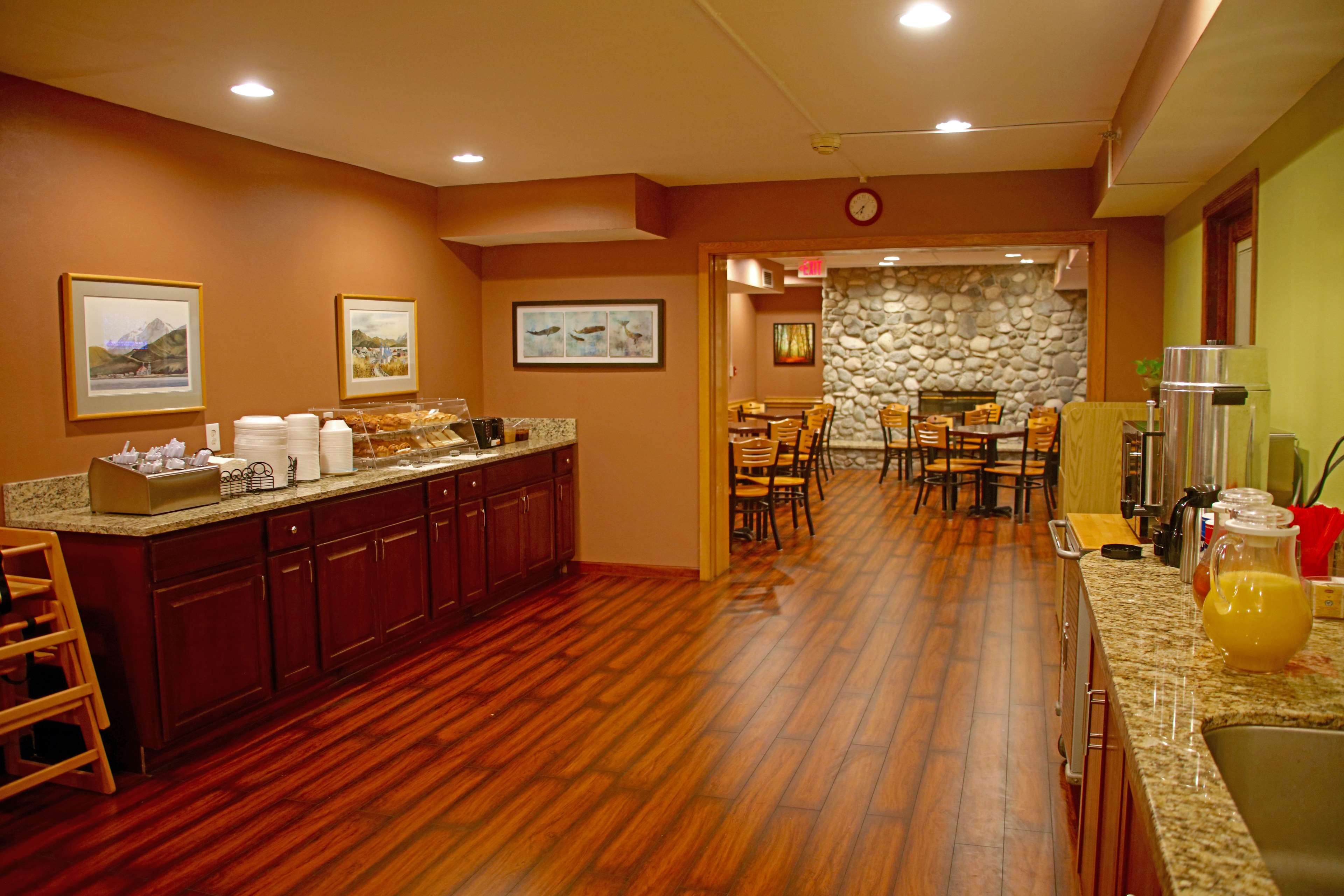 Americas Best Value Inn-Executive Suites / Airport Anchorage image 24