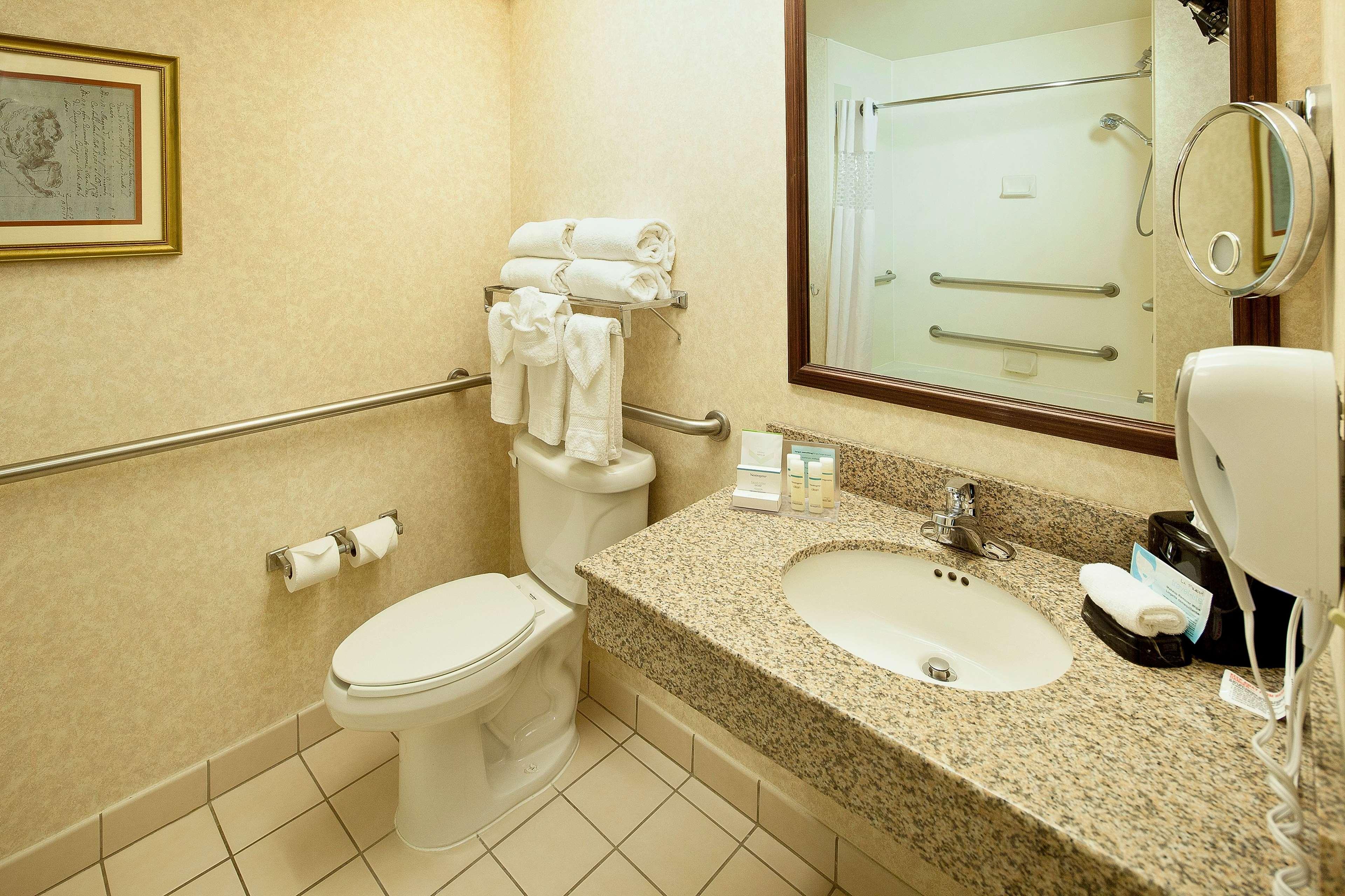 Hampton Inn & Suites Nashville-Green Hills image 29