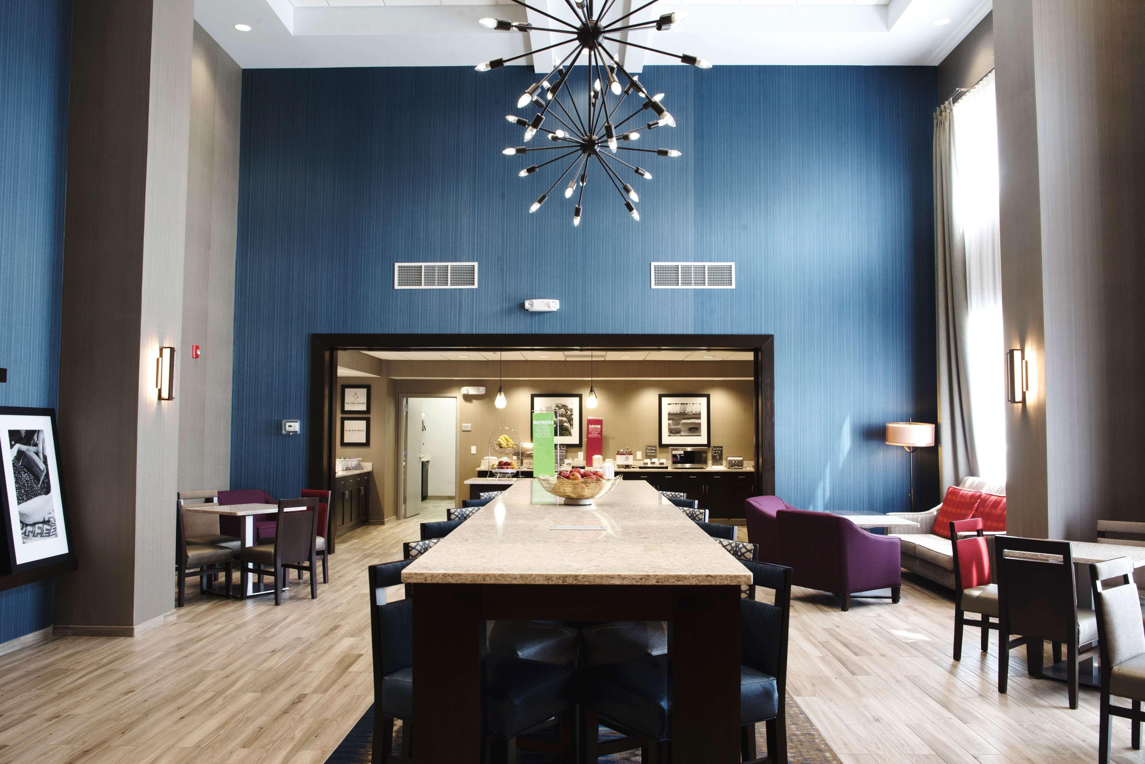 Hampton Inn & Suites Des Moines/Urbandale image 16