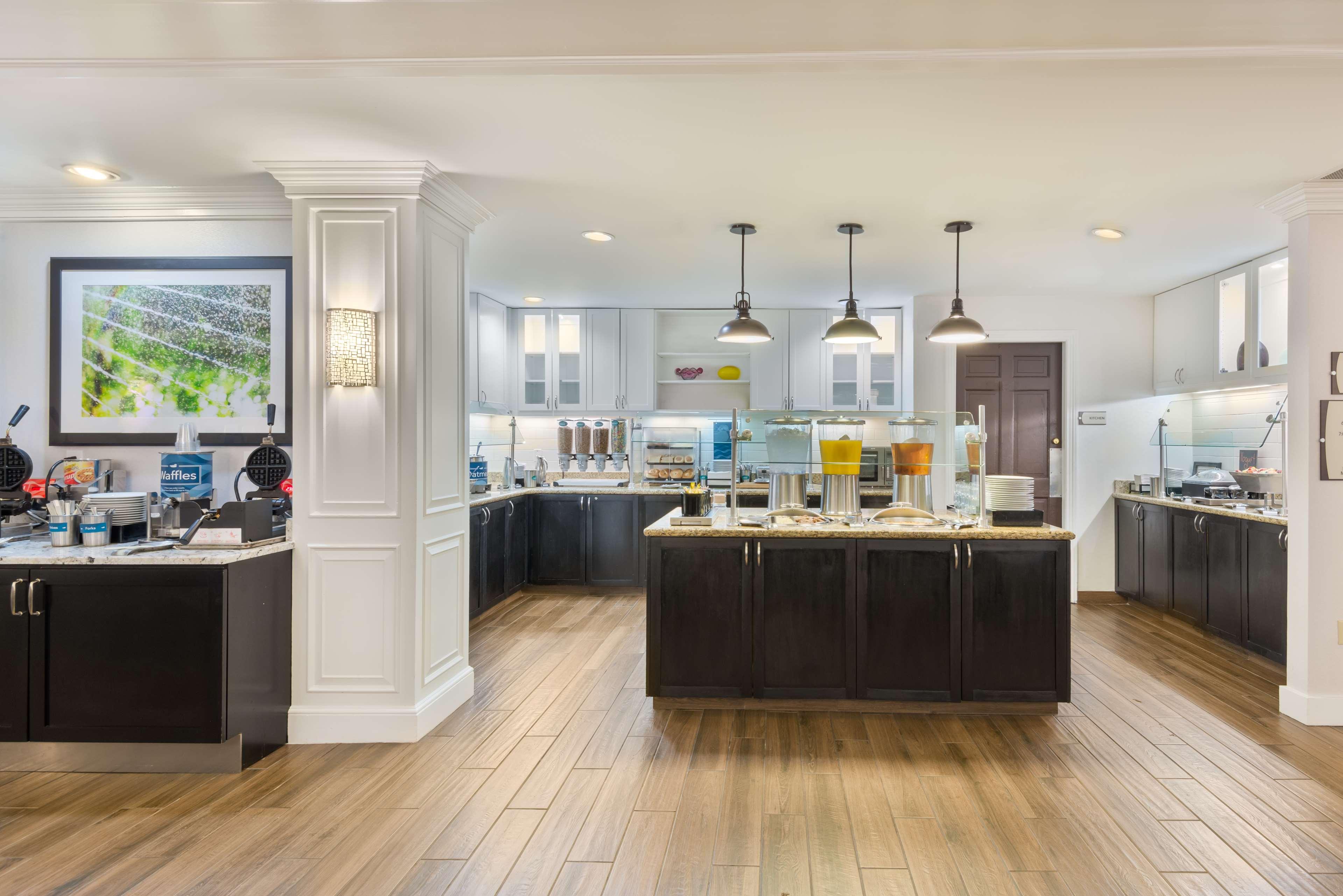 Homewood Suites by Hilton Charlotte-North/Univ Research Park image 6