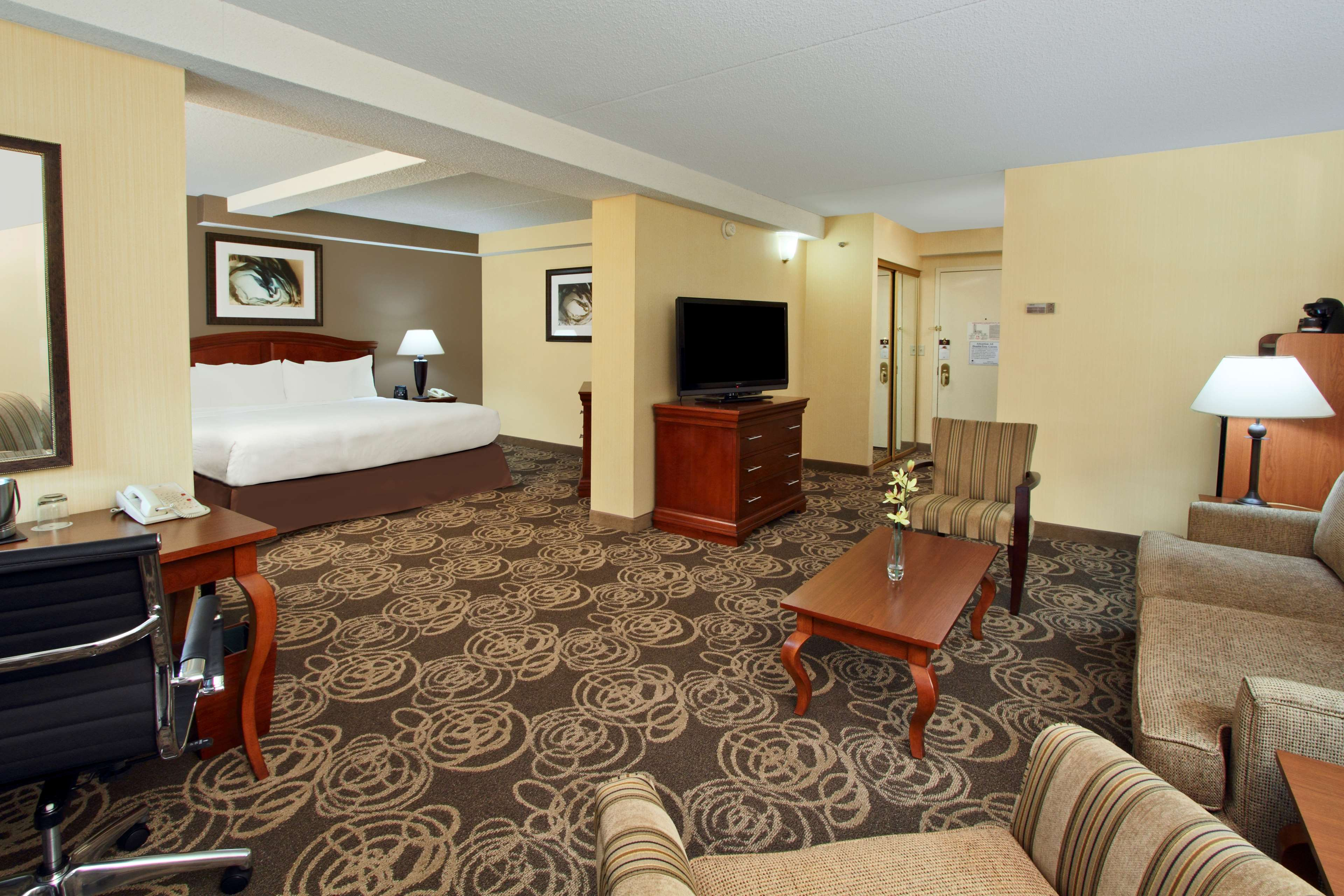 DoubleTree by Hilton Hotel Mahwah image 16