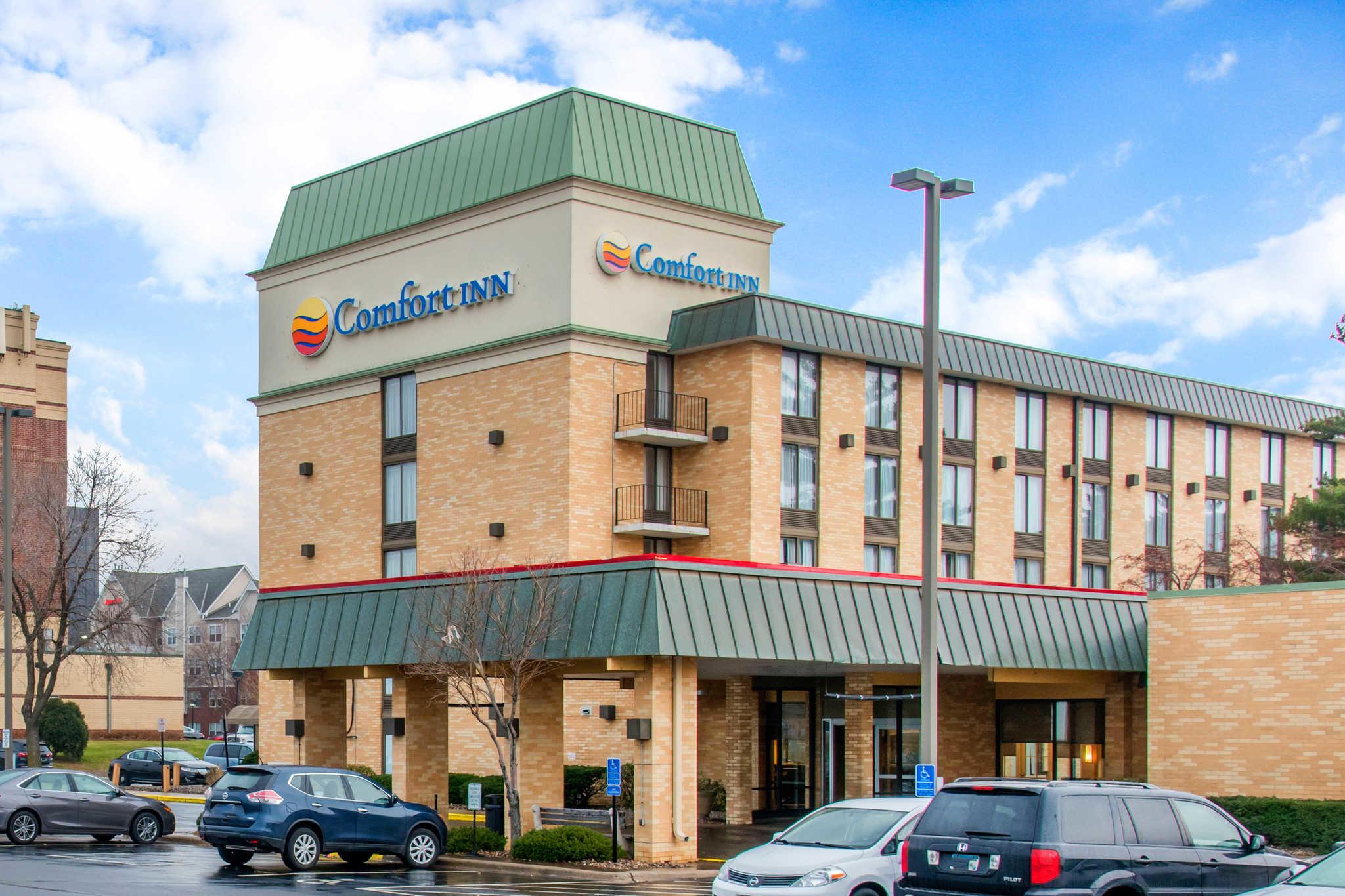 Comfort Inn Airport image 0