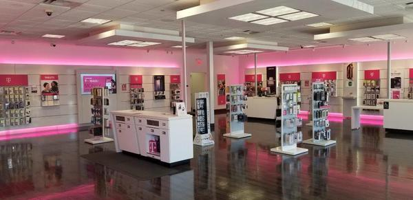 T Mobile Store At 2114 West Grant Line Road Tracy Ca T Mobile