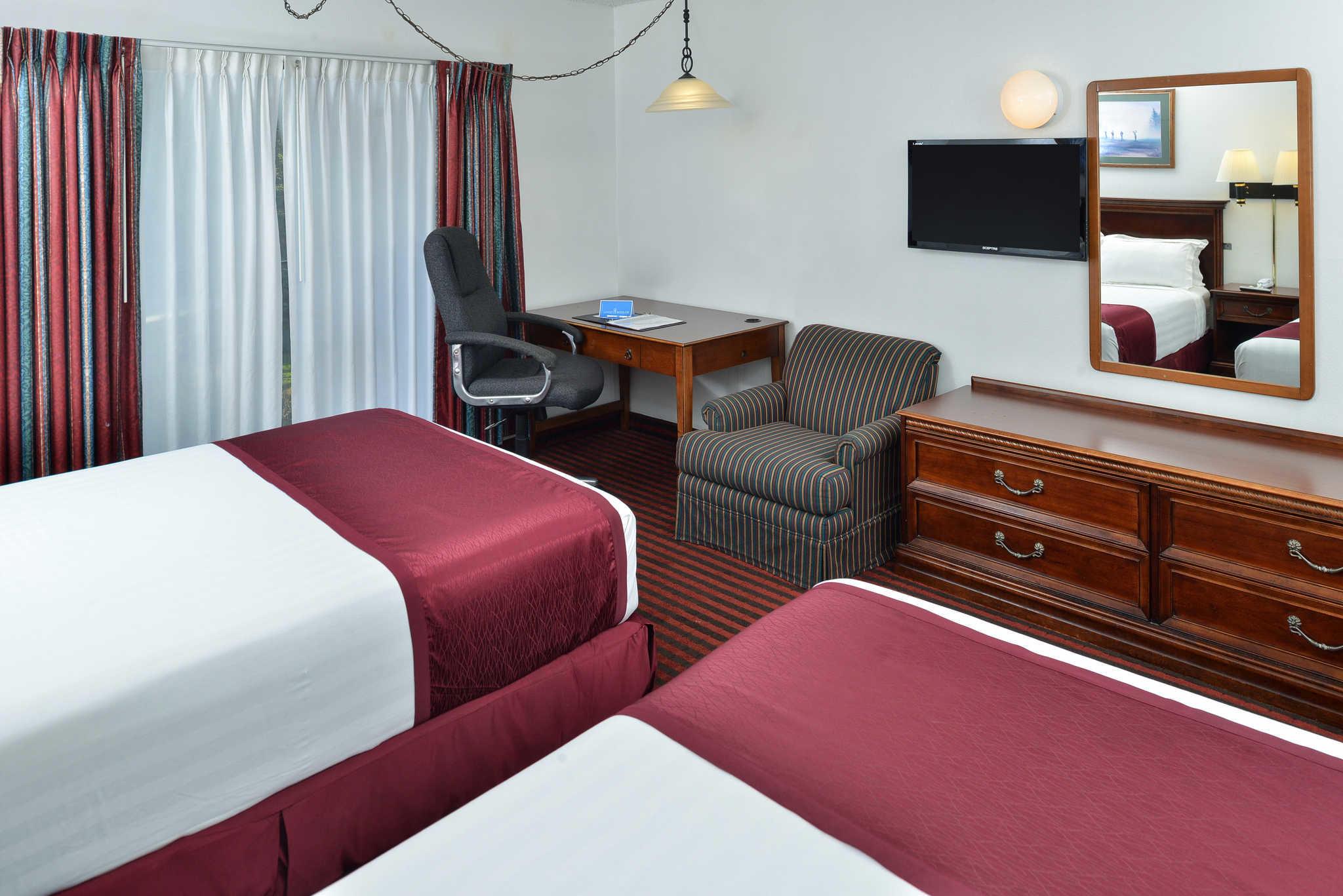 Rodeway Inn & Suites - Closed image 4