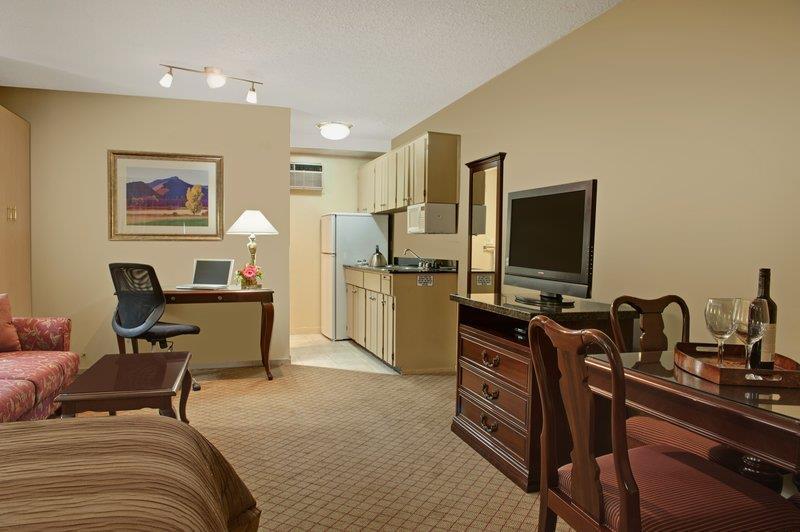 Best Western Bakerview Inn in Abbotsford: Kitchenette Queen Guest Room