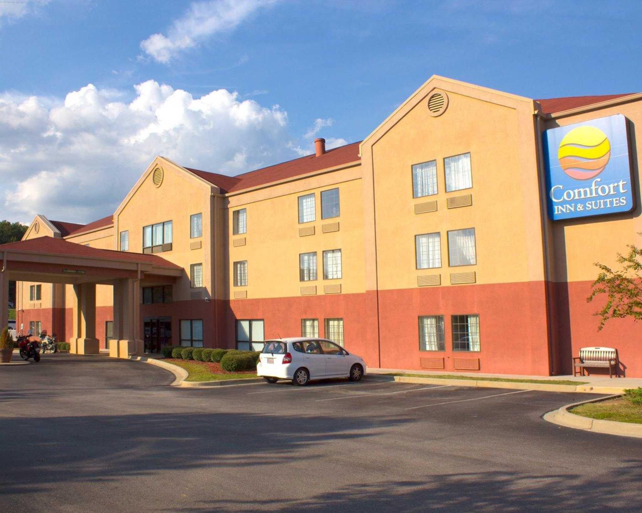 Comfort Inn Amp Suites In Trussville Al 205 661 3