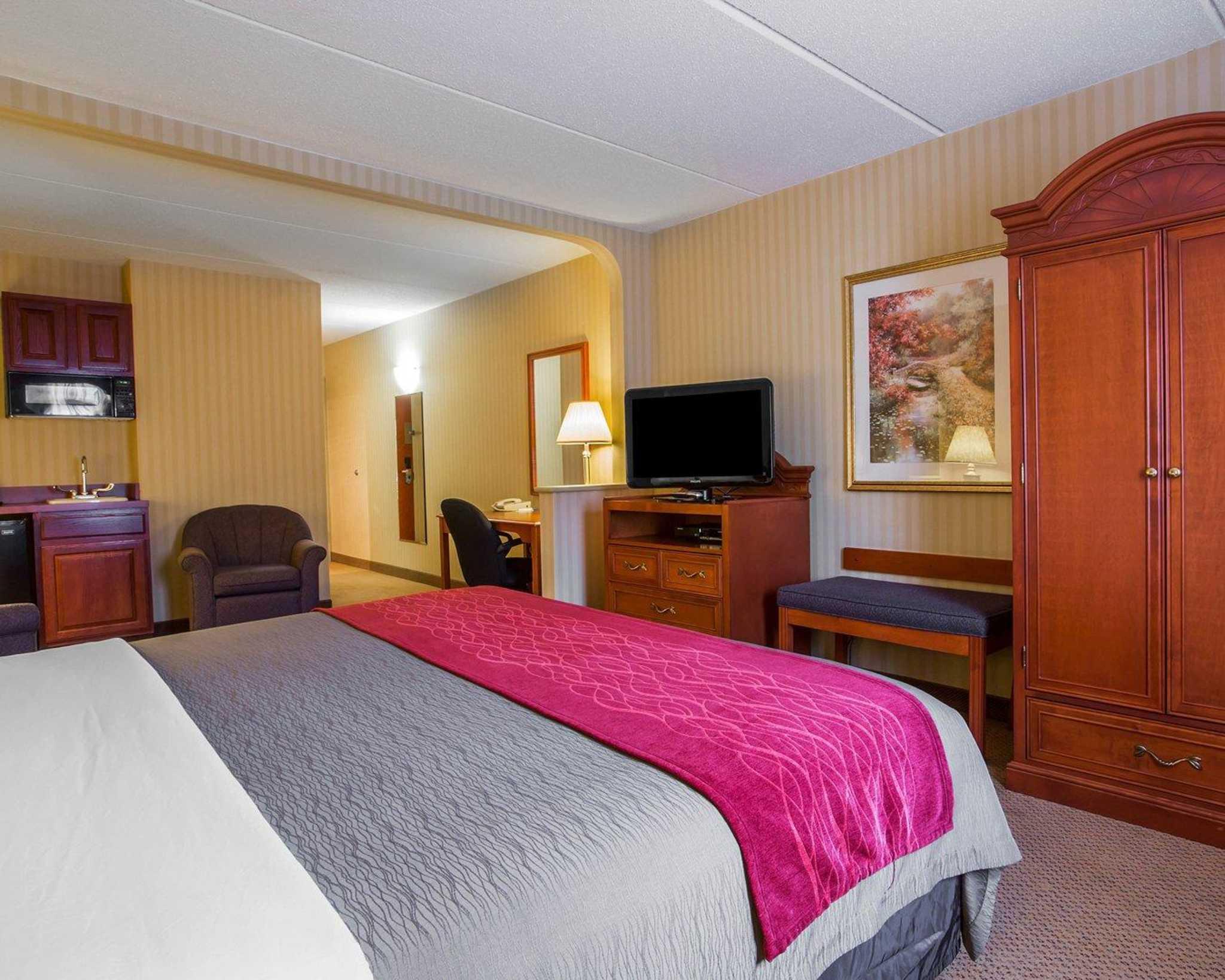 Comfort Inn Amp Suites Hawthorne Ny Company Profile