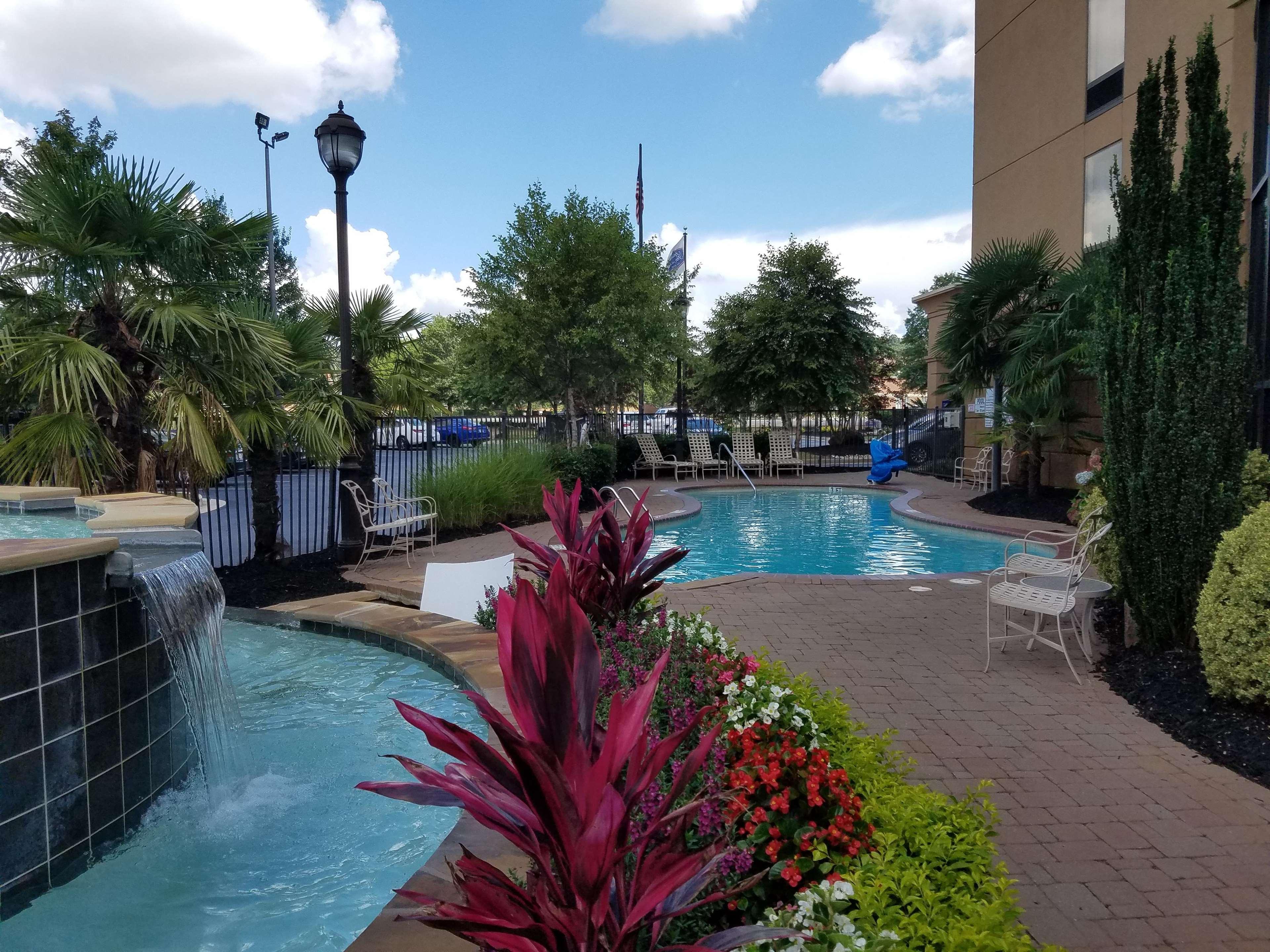 Hampton Inn & Suites ATL-Six Flags image 22