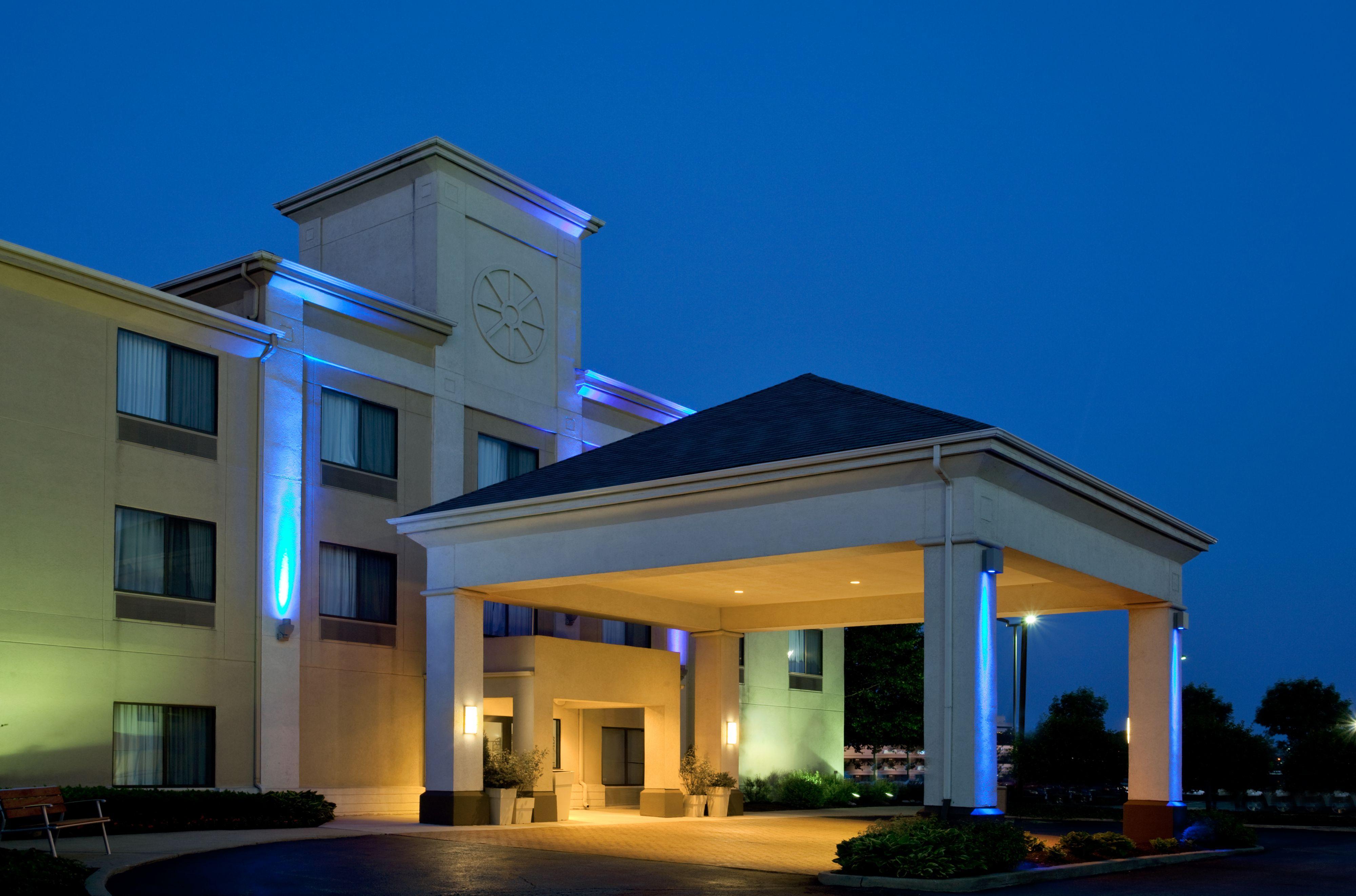 Holiday Inn Express & Suites Meriden image 5